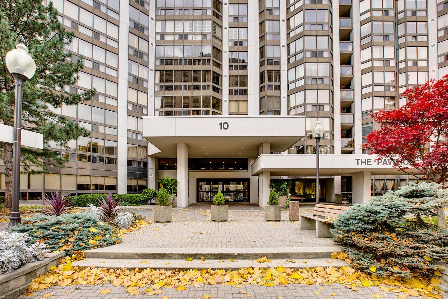 コンドミニアム のために 売買 アット The Pavillon 10 Kenneth Ave, Toronto, オンタリオ, M2N6K6 カナダ
