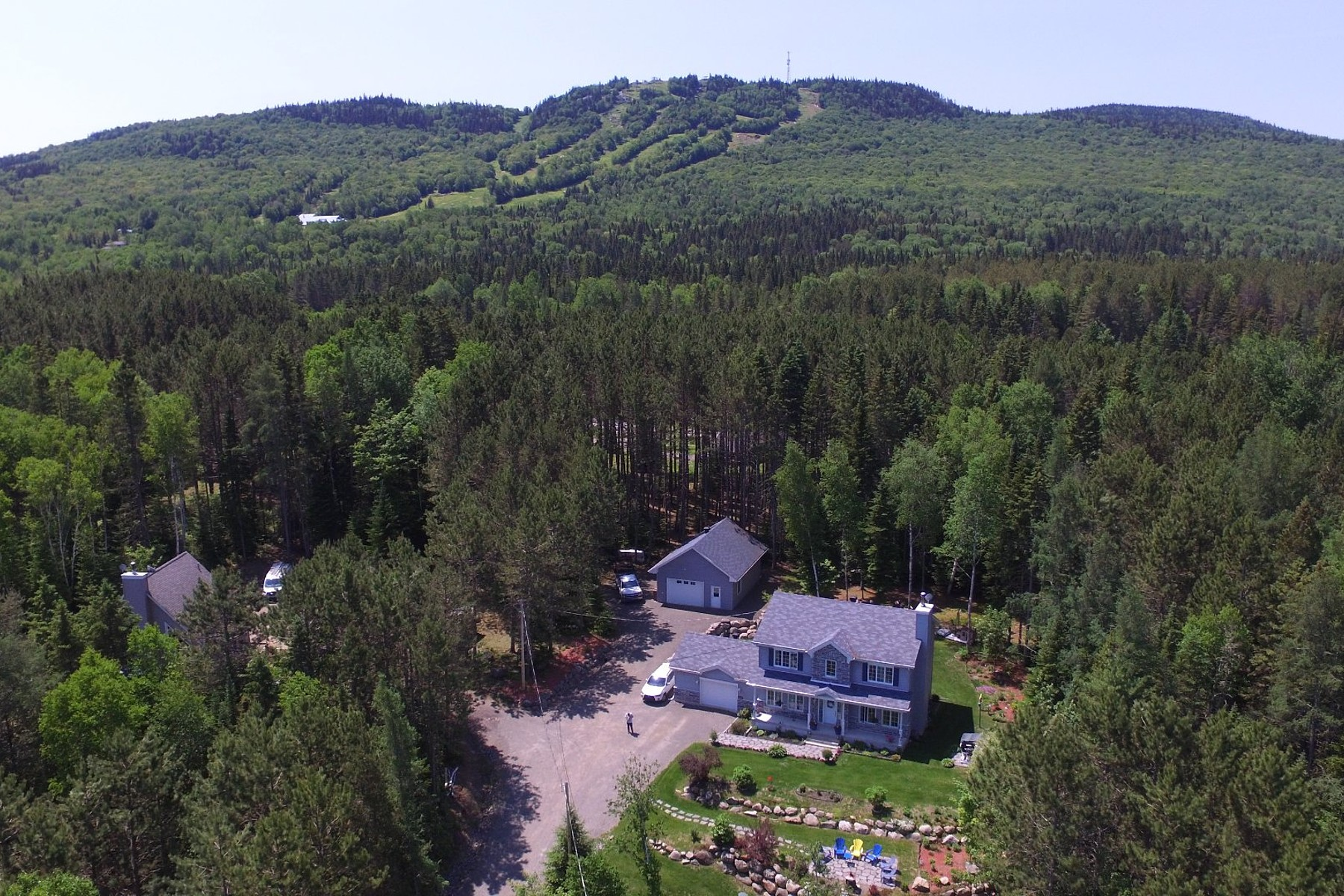 Single Family Homes for Sale at Saint-Donat, Lanaudière 28 Ch. du Parc-Ouareau Saint-Donat, Quebec J0T2C0 Canada
