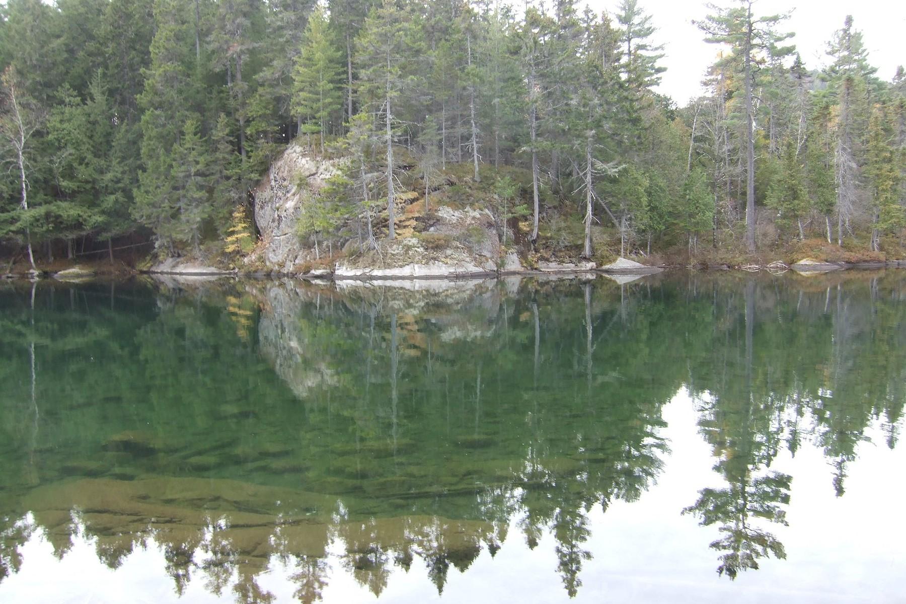 Terrain pour l Vente à Lac-Tremblant-Nord, Laurentides Ch. de la Baie-des-Ours Lac-Tremblant-Nord, Québec, J8E1A2 Canada