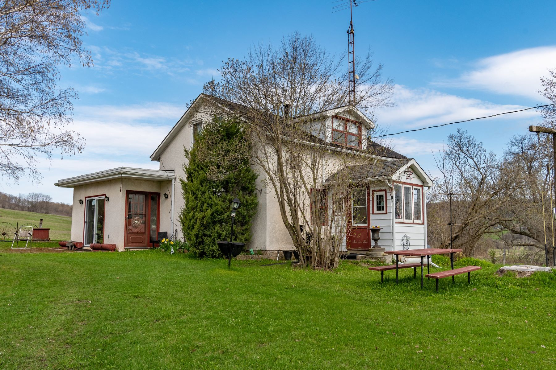 Single Family Homes for Sale at Scenic North Slope Farm 2692 Conc 8 Nottawasaga Rd S Clearview, Ontario L0M 1L0 Canada