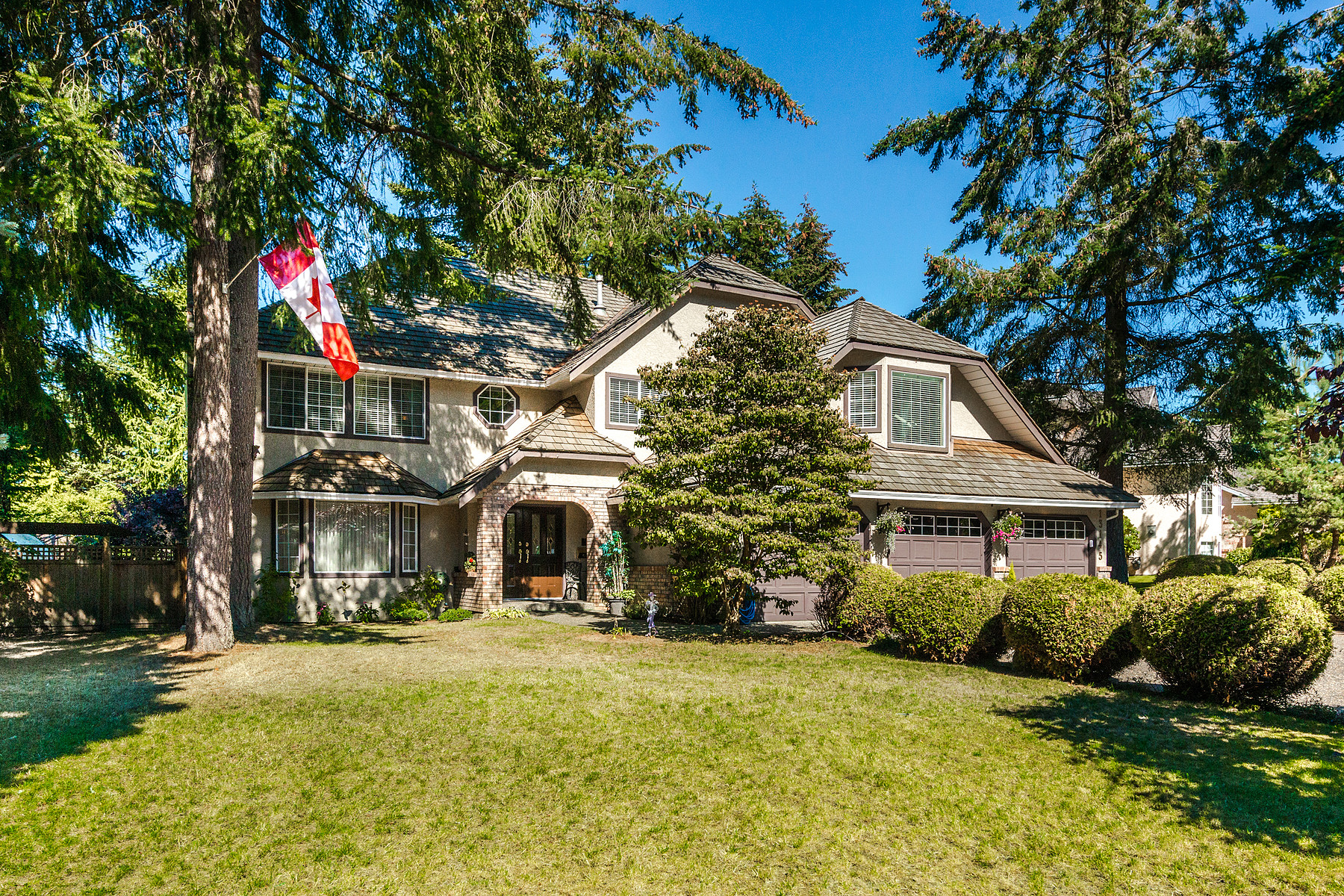 Single Family Homes for Sale at Elgin Chantrell 13145 22A Avenue Surrey, British Columbia V4A 8Y5 Canada