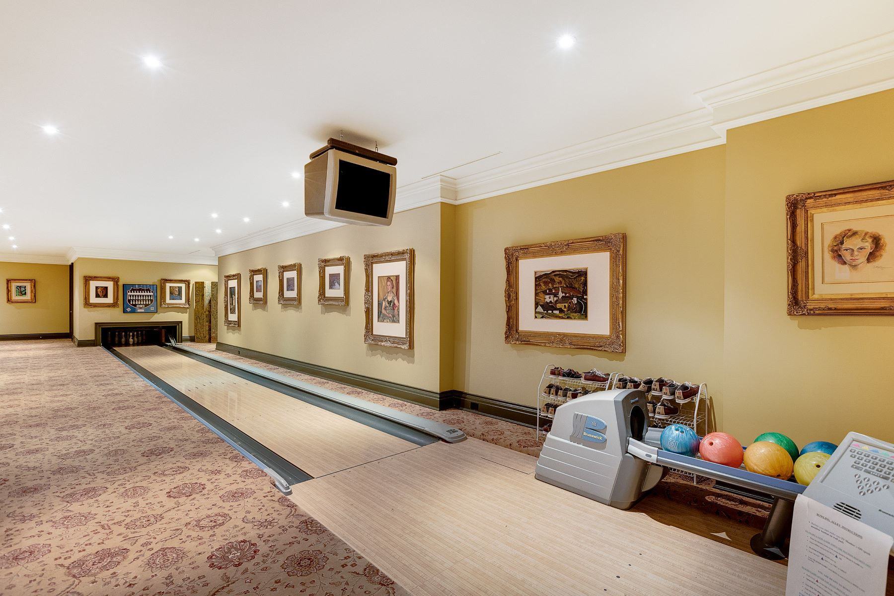 Additional photo for property listing at Chelster Hall 1150 Lakeshore Rd E 奥克维尔, 安大略省 L6L 1L2 加拿大