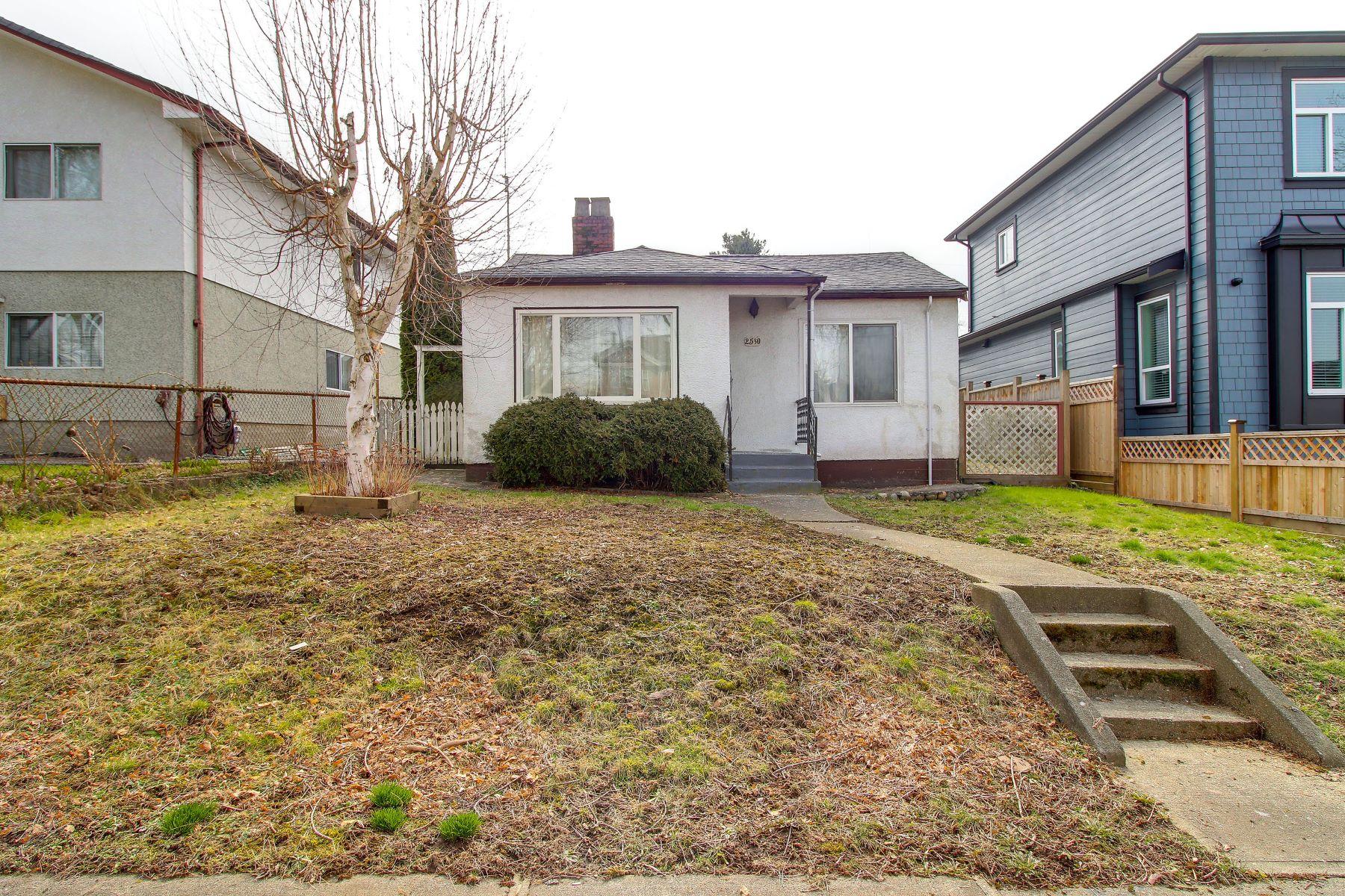 단독 가정 주택 용 매매 에 Renfrew Heights, Vancouver 2530 E 18th Avenue, Vancouver, 브리티시 컬럼비아주, V5M 2P5 캐나다