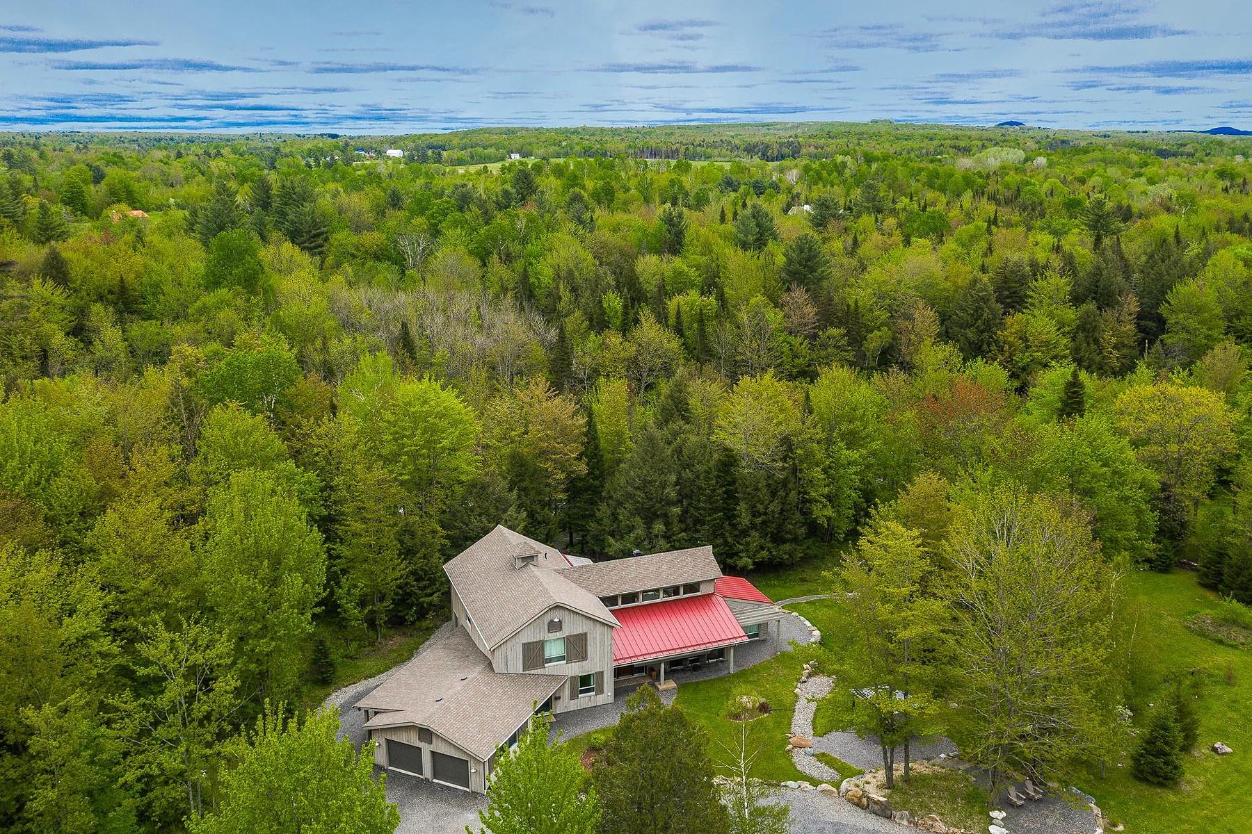 Single Family Homes for Sale at Bromont, Montérégie 150 Rue de la Colline Bromont, Quebec J2L3N5 Canada