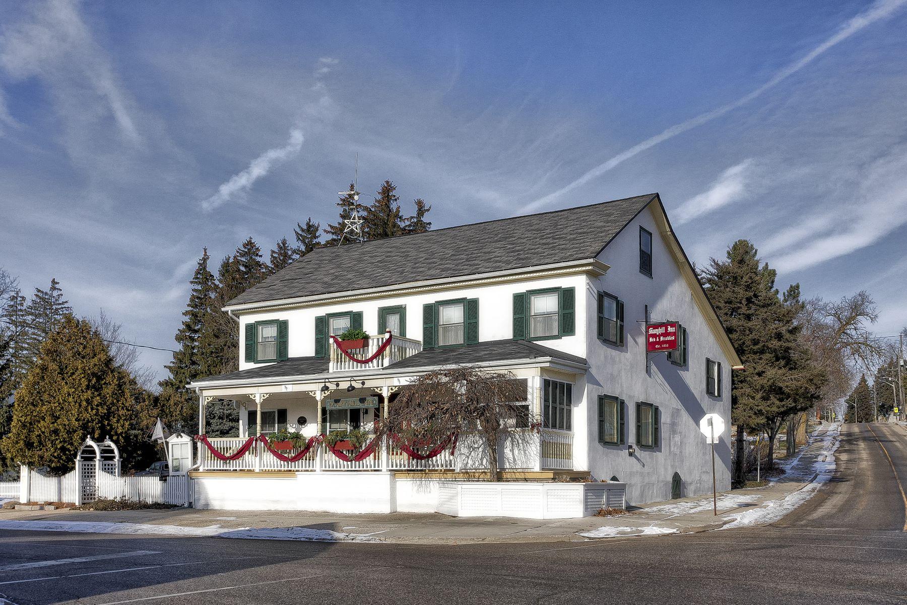 단독 가정 주택 용 매매 에 Maryhill Inn 1302 Maryhill Road, Maryhill, 온타리오주, N0B2B0 캐나다