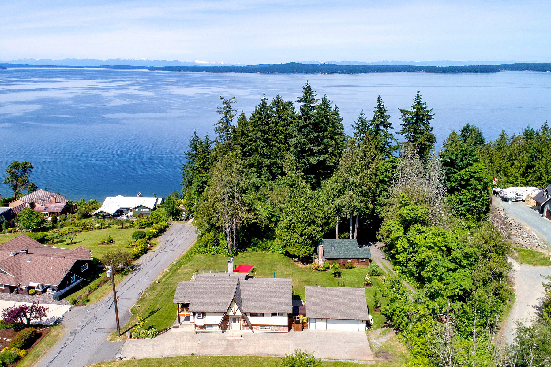 Tek Ailelik Ev için Satış at Low Bank Oceanfront 3192 Malcom Rd. Chemainus, British Columbia, V0R 1K2 Kanada