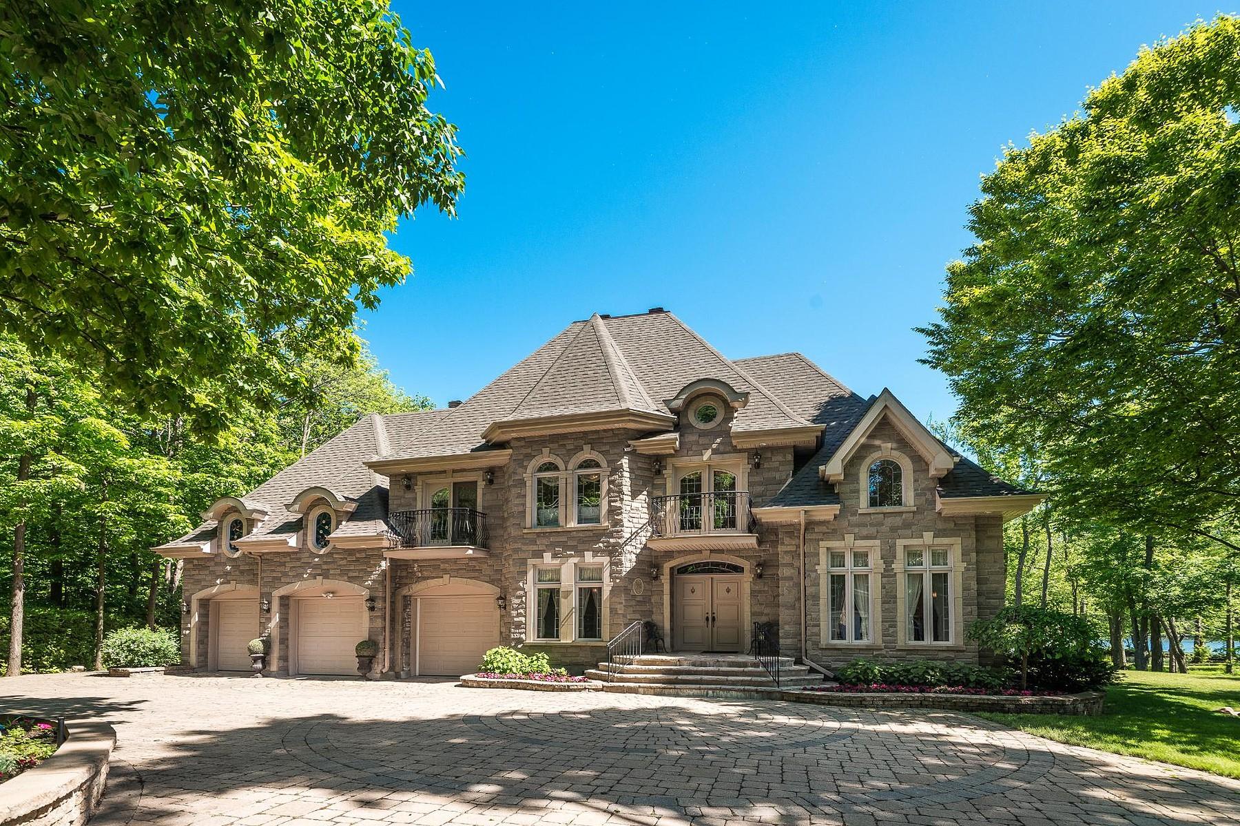 Single Family Homes for Sale at L'Île-Cadieux, Montérégie 52 Chemin de L'Ile L'Ile-Cadieux, Quebec J7V8P3 Canada