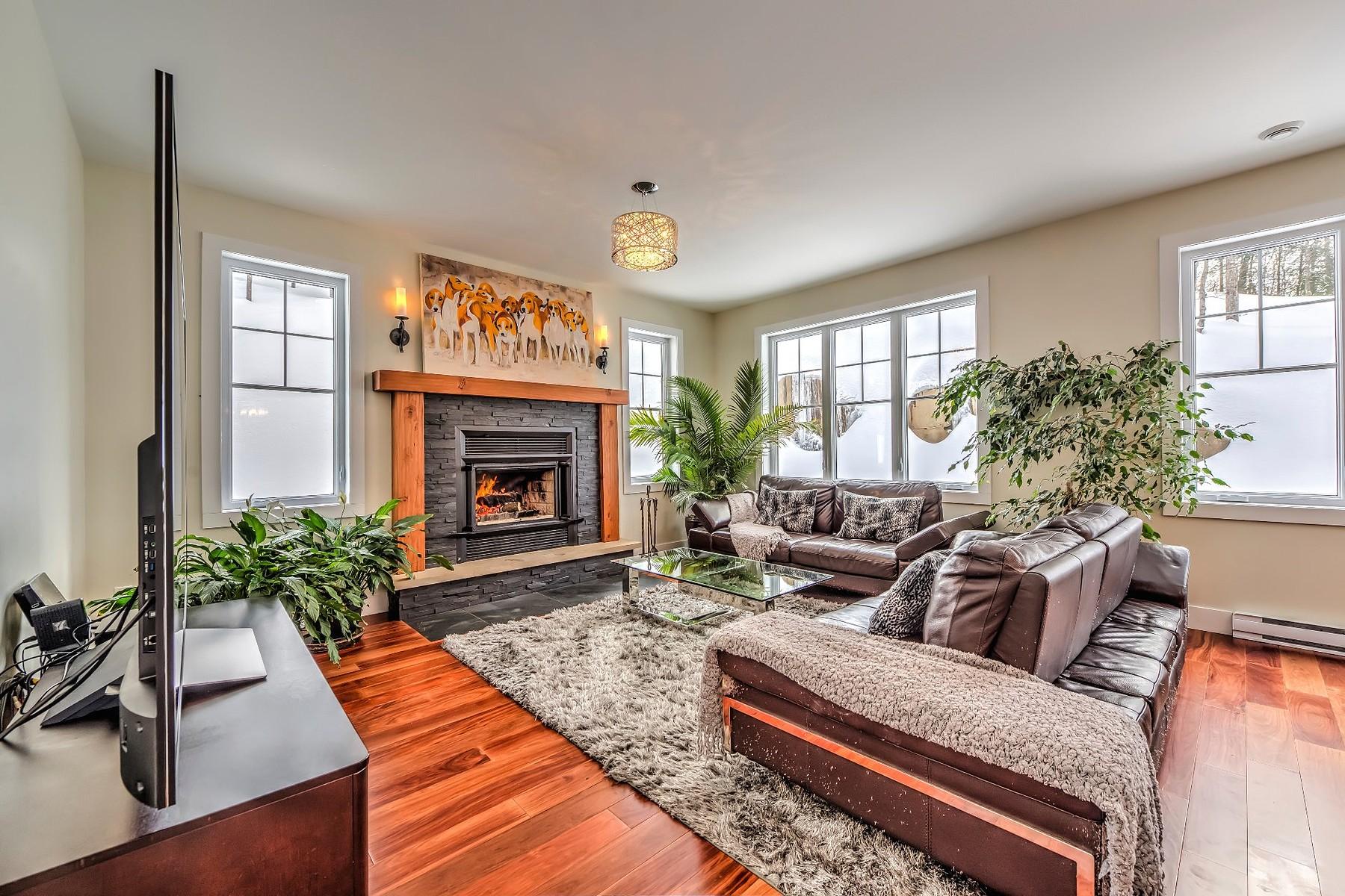 独户住宅 为 销售 在 Saint-Sauveur, Laurentides 1050 Mtée de Bourgogne, 圣索弗, 魁北克省, J0R1R1 加拿大