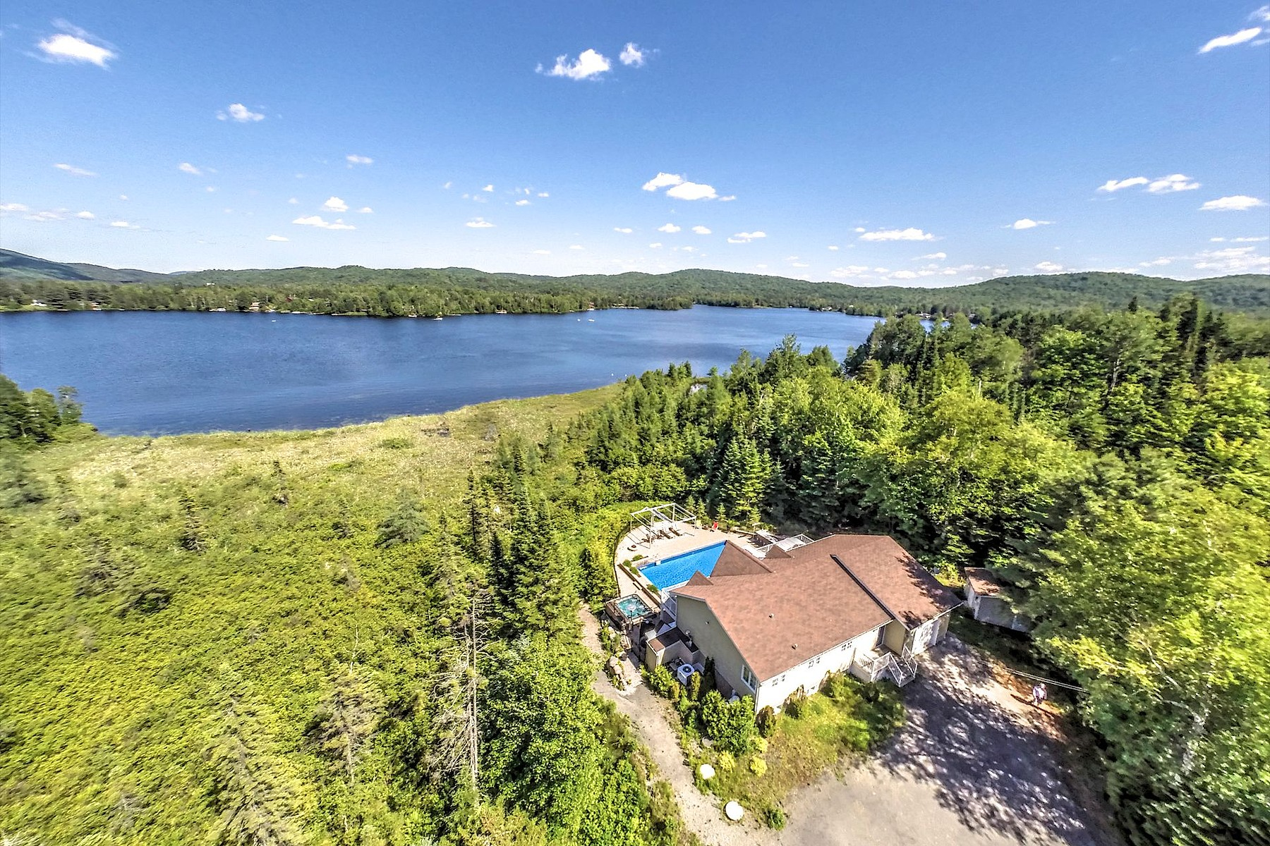 Single Family Home for Sale at Waterfront home Lac Ludger 358 Boul. Rolland-Cloutier, Lantier, Quebec, J0T1V0 Canada