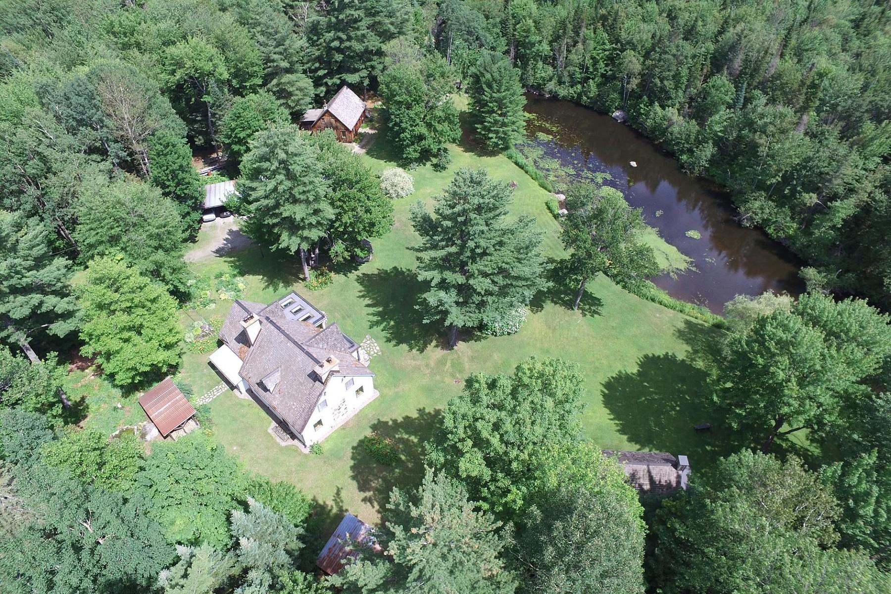 Single Family Home for Sale at Sainte-Sophie, Laurentides 707 Ch. Abercrombie Sainte-Sophie, Quebec, J5J2R4 Canada