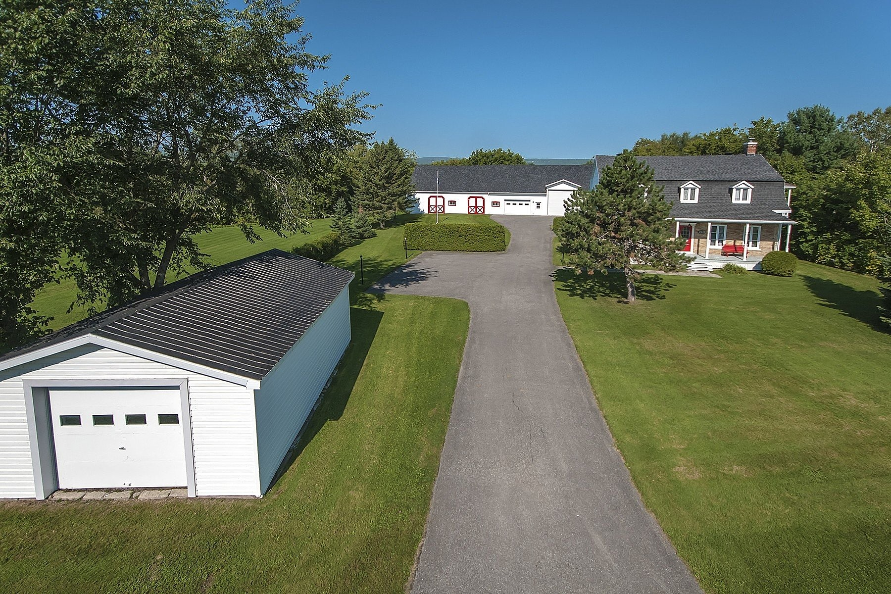 Single Family Homes for Sale at Sainte-Foy-Sillery, Capitale-Nationale 2625 Av. Notre-Dame Quebec, Quebec G2G0C3 Canada