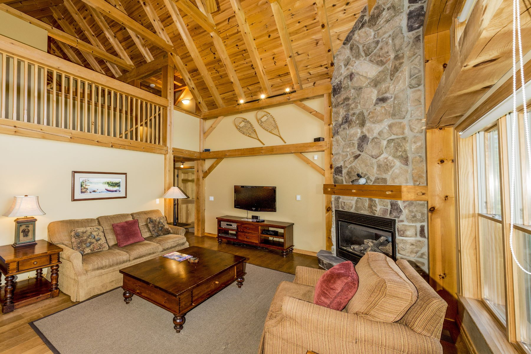 Additional photo for property listing at Augusta Of The North 1137 Old Parry Sound Rd Utterson, Ontario P0B 1M0 Canada
