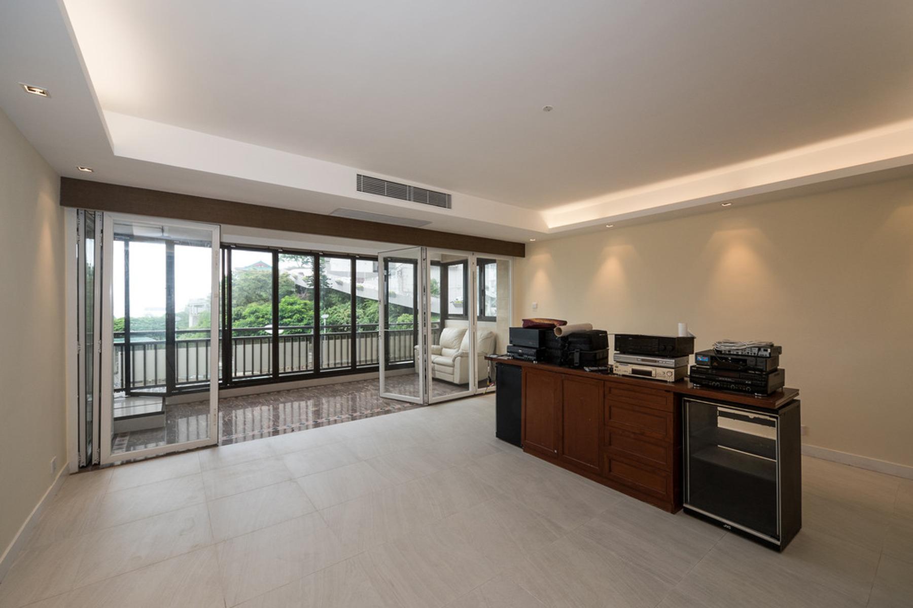 Apartamento para Venda às Repulse Bay Garden - Block 03-04 Repulse Bay, Hong Kong, Hong Kong