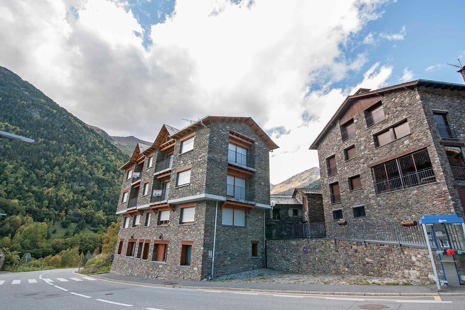 Otros residenciales por un Venta en Building for sale in Serrat (El) Other Ordino, Ordino, AD300 Andorra