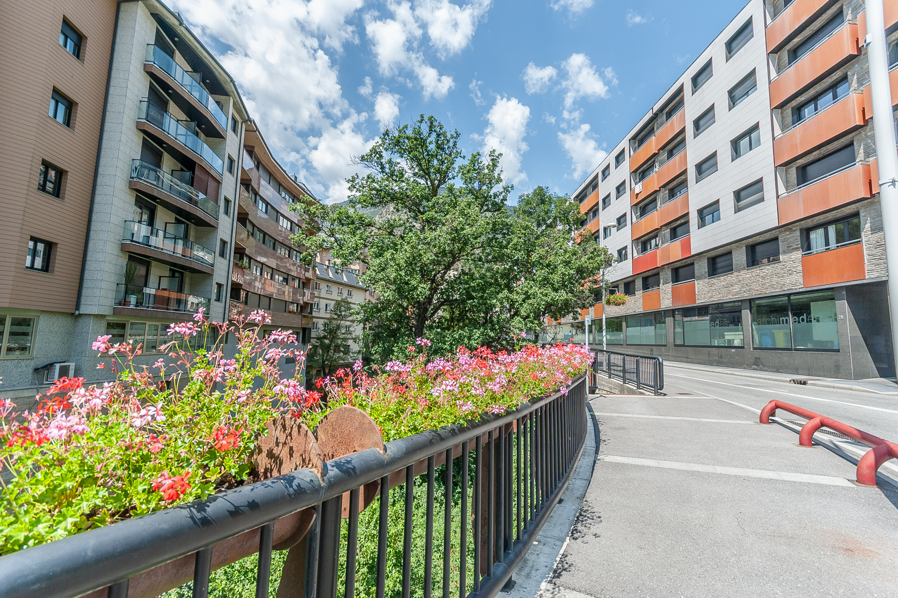 Другая жилая недвижимость для того Продажа на Building for sale in Escaldes-Engordany Escaldes Engordany, Escaldes Engordany, AD700 Andorra