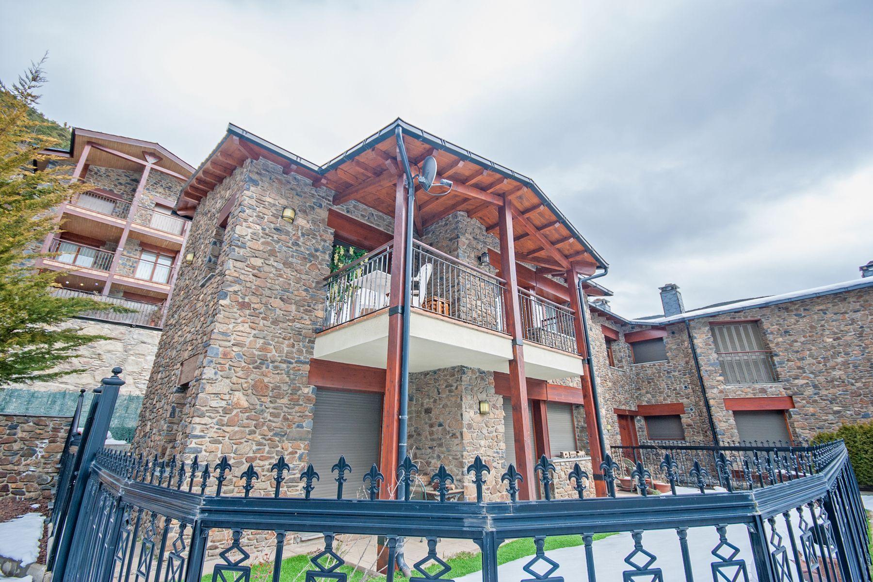 Apartamento para Venda às Attic for sale in Aldosa (L' ) (La Massana) Urbanització El Cortalet, bloc-E, pis 1-3ª Other La Massana, La Massana, AD400 Andorra