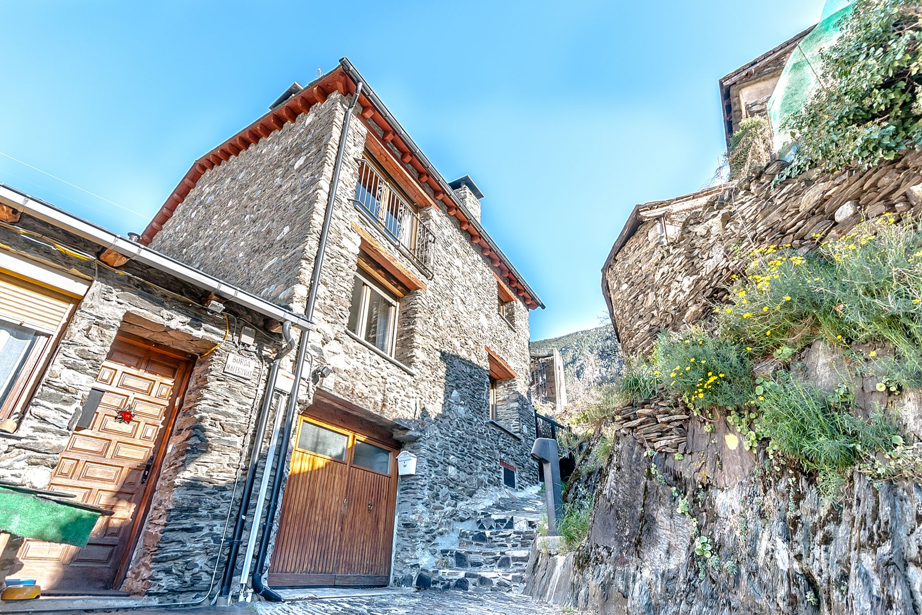 独户住宅 为 销售 在 Rustic house for sale in Les Bons Les Bons, 恩坎普, AD200 安道尔