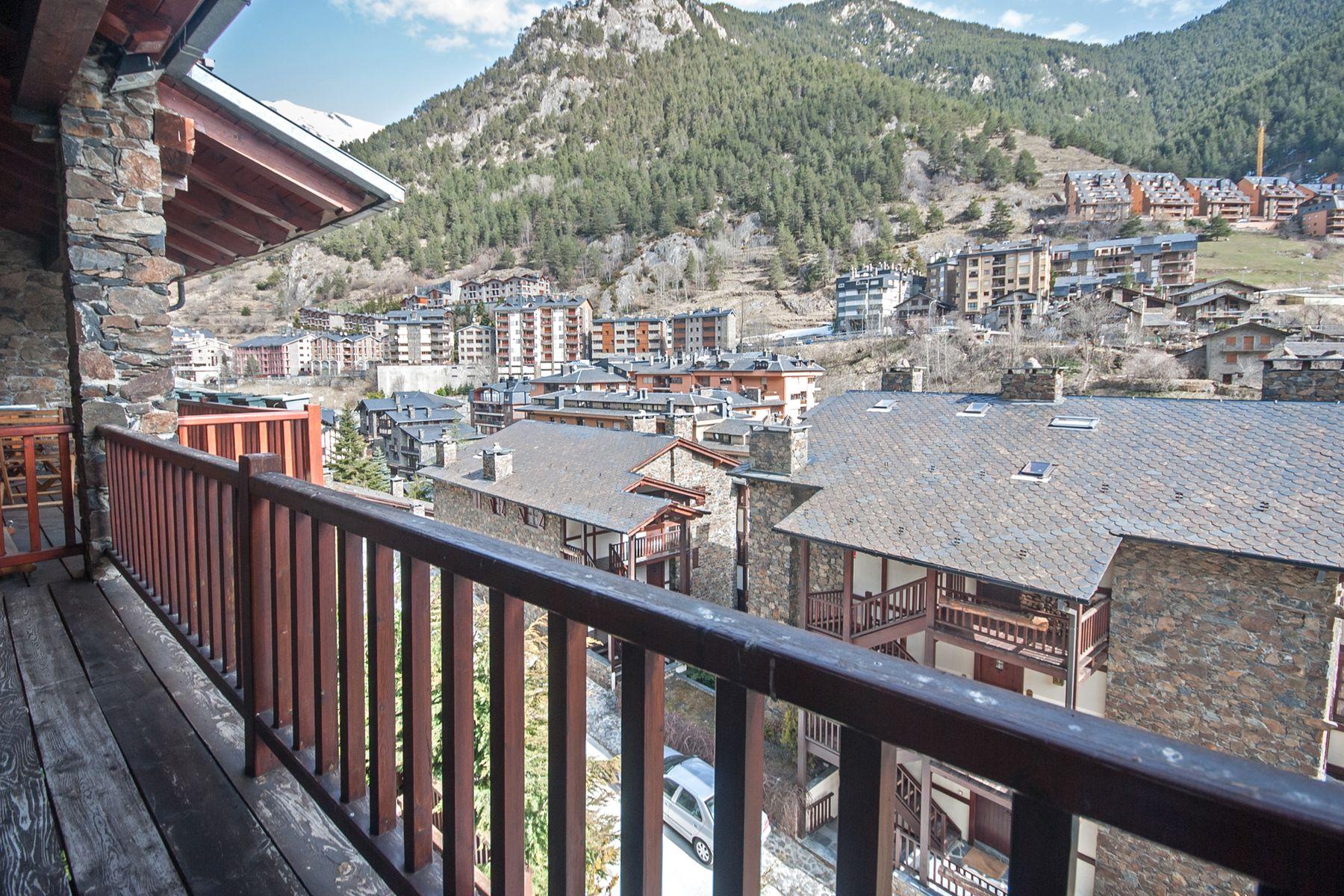 Casa para uma família para Venda às Rustic house for sale in Arinsal Arinsal, La Massana, AD400 Andorra