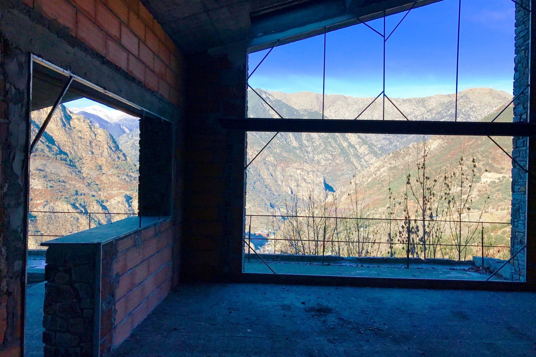 Single Family Homes por un Venta en Chalet-Tower for sale in Aixirivall Aixirivall, Sant Julia De Loria AD600 Andorra