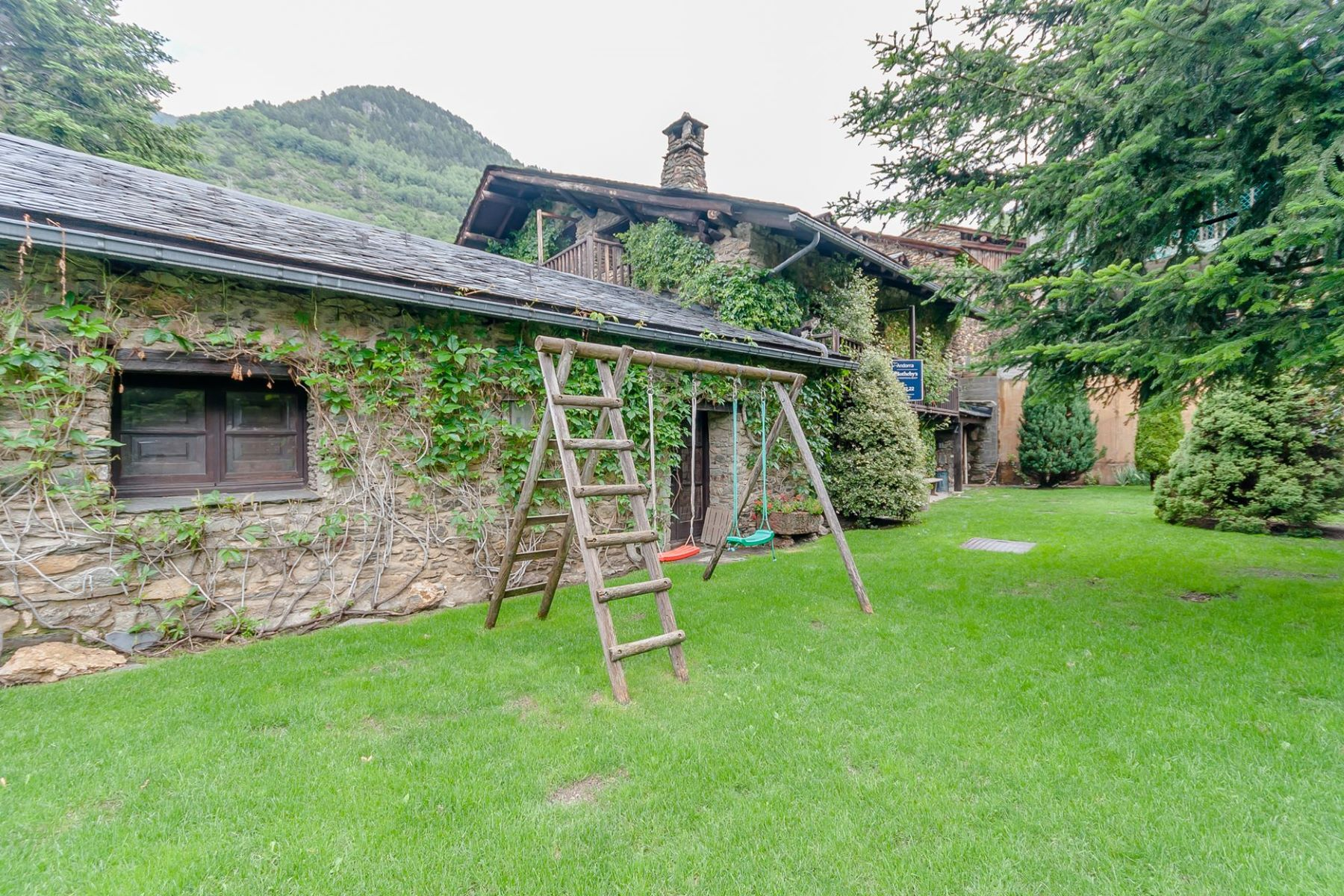 Tek Ailelik Ev için Satış at Rustic house for sale in Os de Civis Other Sant Julia De Loria, Sant Julia De Loria, AD600 Andorra