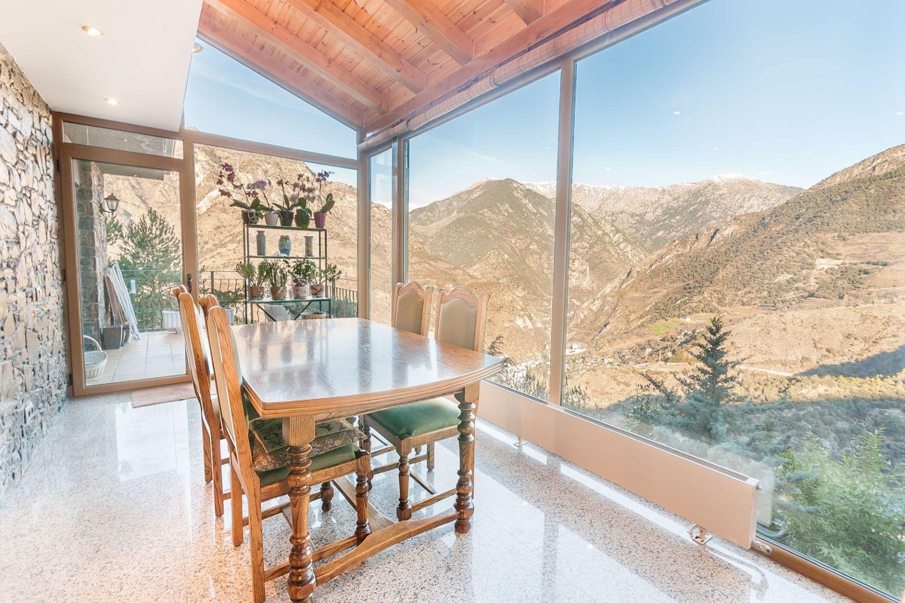 一戸建て のために 売買 アット Chalet-Tower for sale in Aixirivall Aixirivall, Sant Julia De Loria, AD600 Andorra