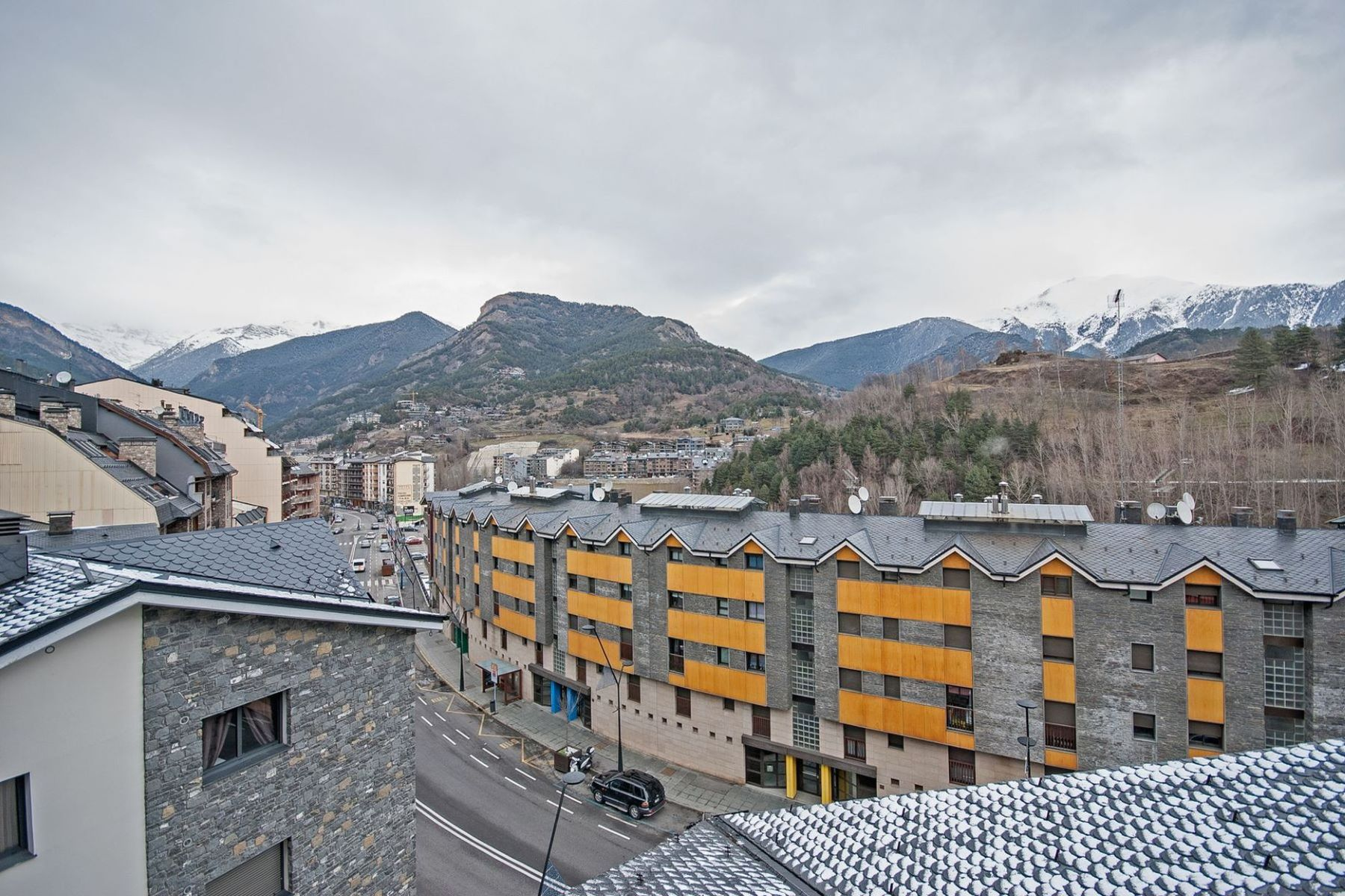 Appartement pour l Vente à Attic for sale in La Massana La Massana, La Massana, AD400 Andorra