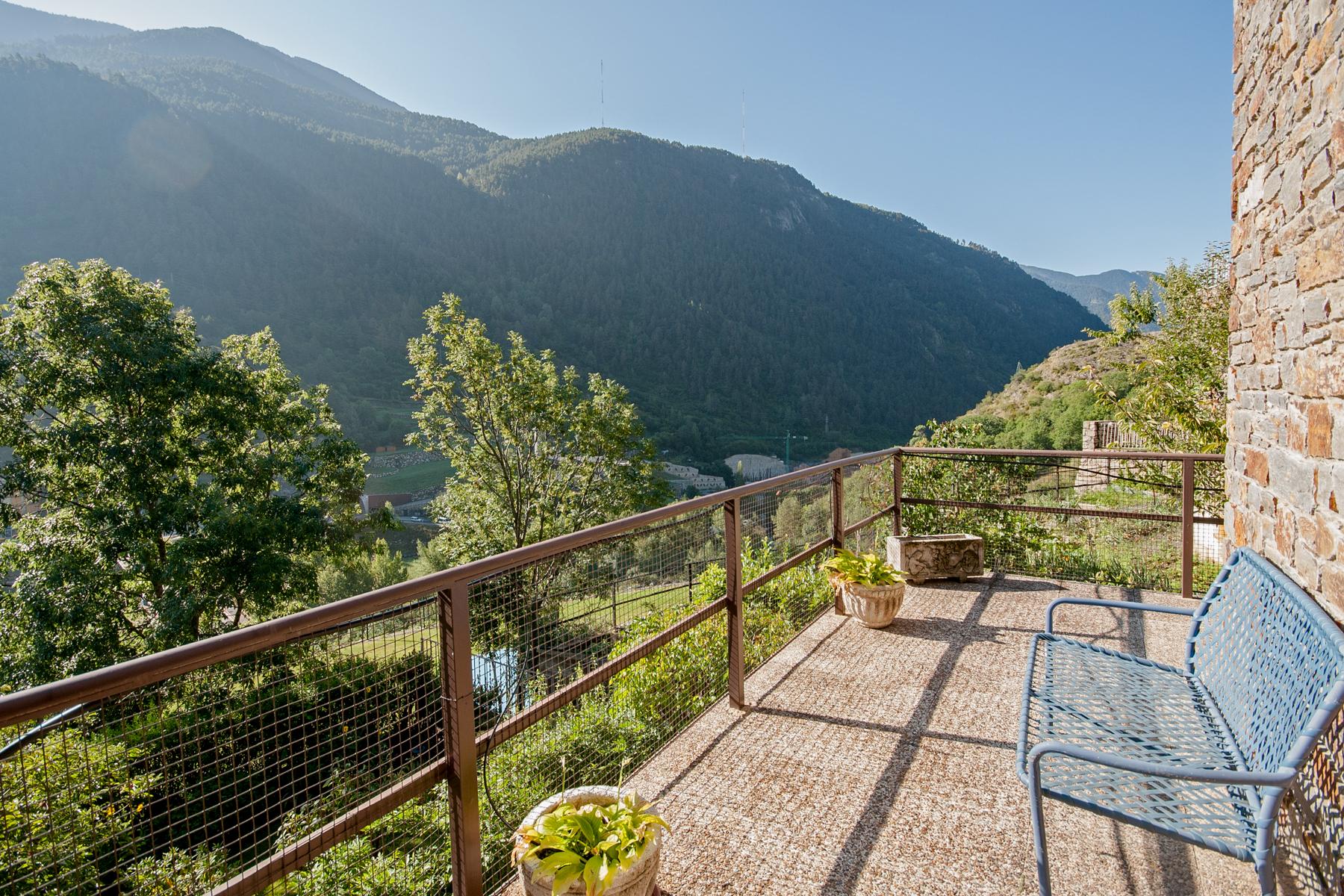 獨棟家庭住宅 為 出售 在 Chalet-Tower for sale in Vila Vila, Encamp, AD200 Andorra