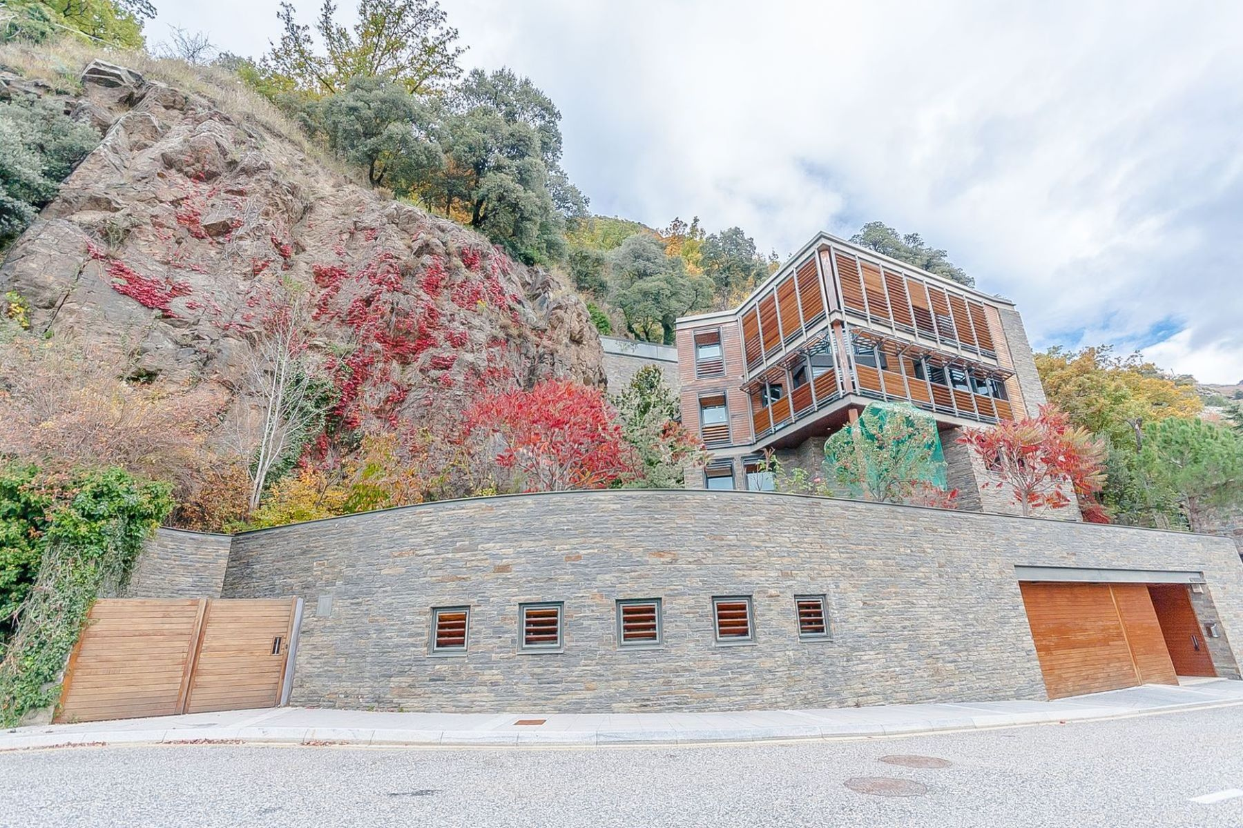 Single Family Home for Sale at Chalet-Tower for sale in Escaldes-Engordany Escaldes Engordany, Escaldes Engordany, AD700 Andorra
