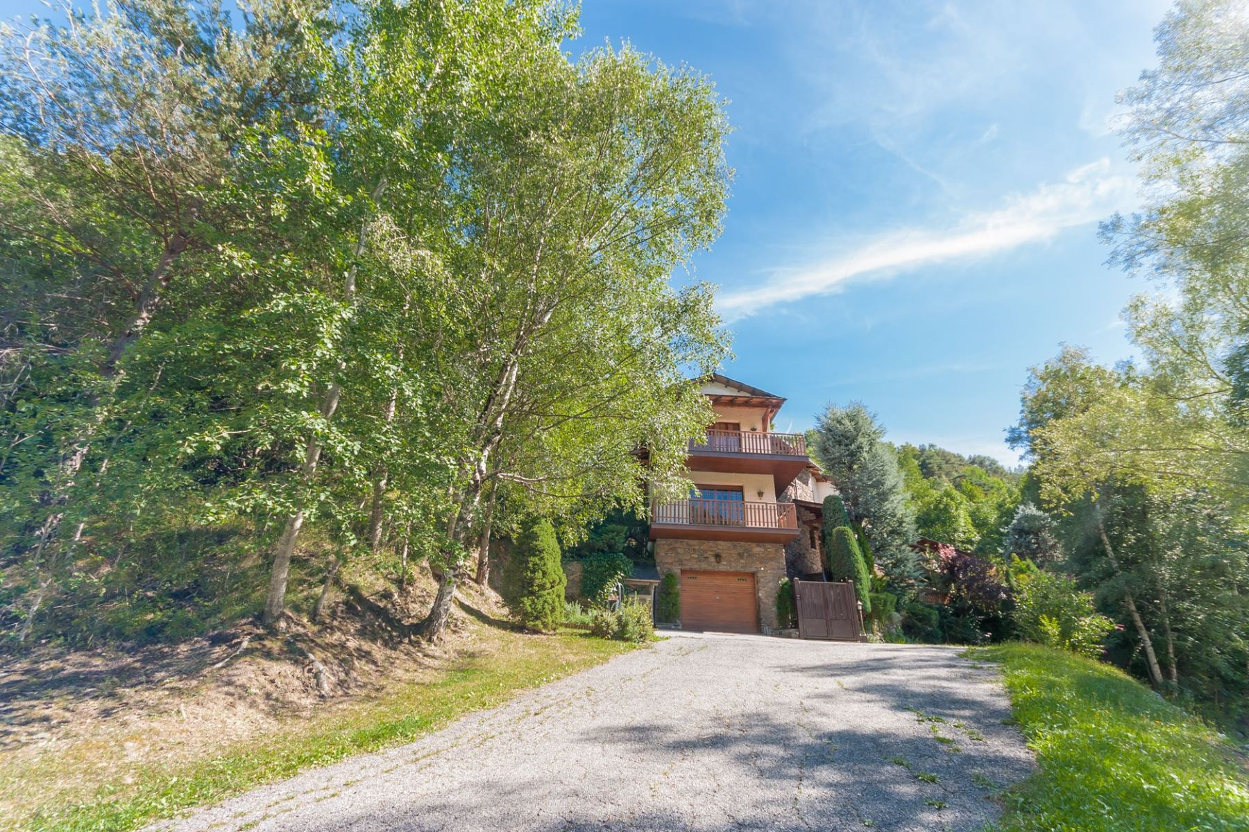 獨棟家庭住宅 為 出售 在 Chalet-Tower for sale in Anyós Anyos, La Massana, AD400 Andorra