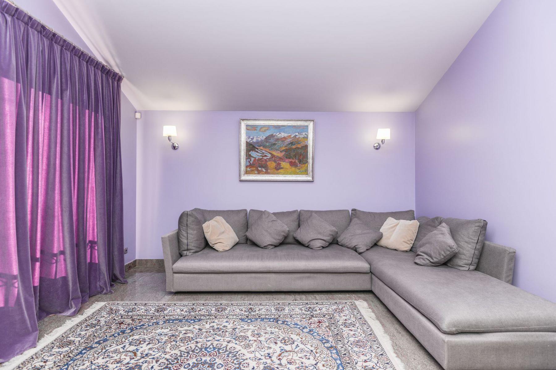Casa para uma família para Venda às House for sale in Les Bons Les Bons, Encamp, AD200 Andorra