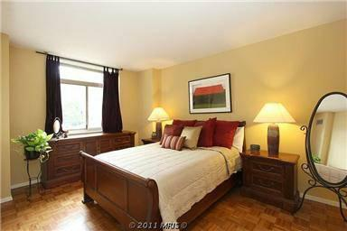 Condominium for Rent at 7111 Woodmont Ave #208 7111 Woodmont Ave #208 Bethesda, Maryland 20815 United States