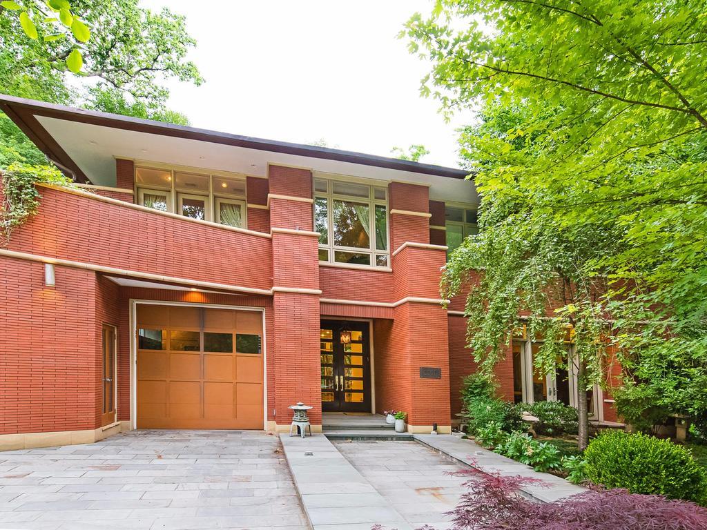 Villa per Vendita alle ore 2807 Chesterfield Place Nw, Washington Washington, Distretto Di Columbia, 20008 Stati Uniti