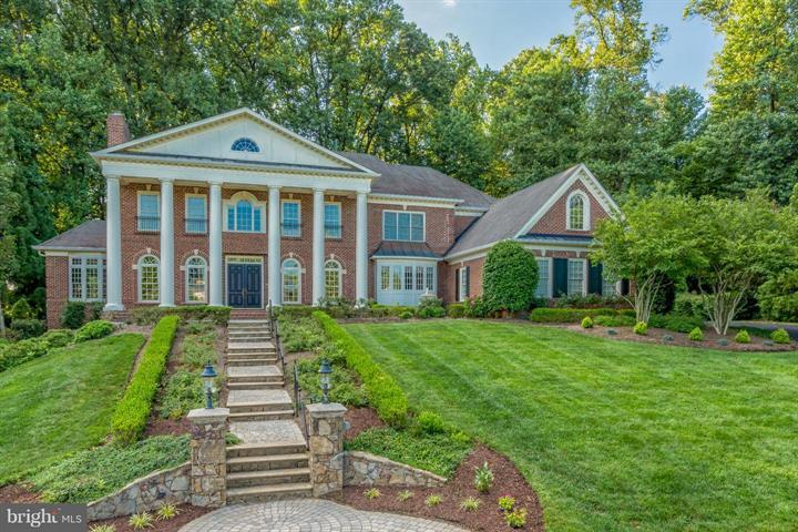 Property for Sale at 7787 Glenhaven Ct McLean, Virginia 22102 United States
