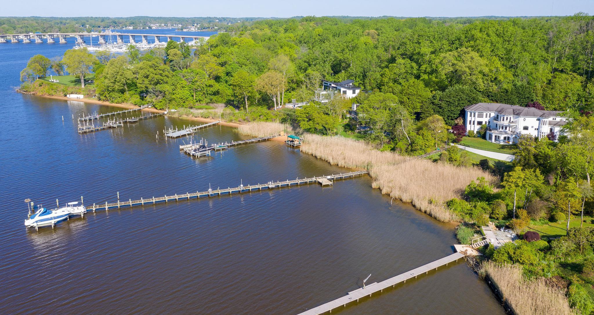 Single Family Homes por un Venta en 3 Deepwater Ct Edgewater, Maryland 21037 Estados Unidos