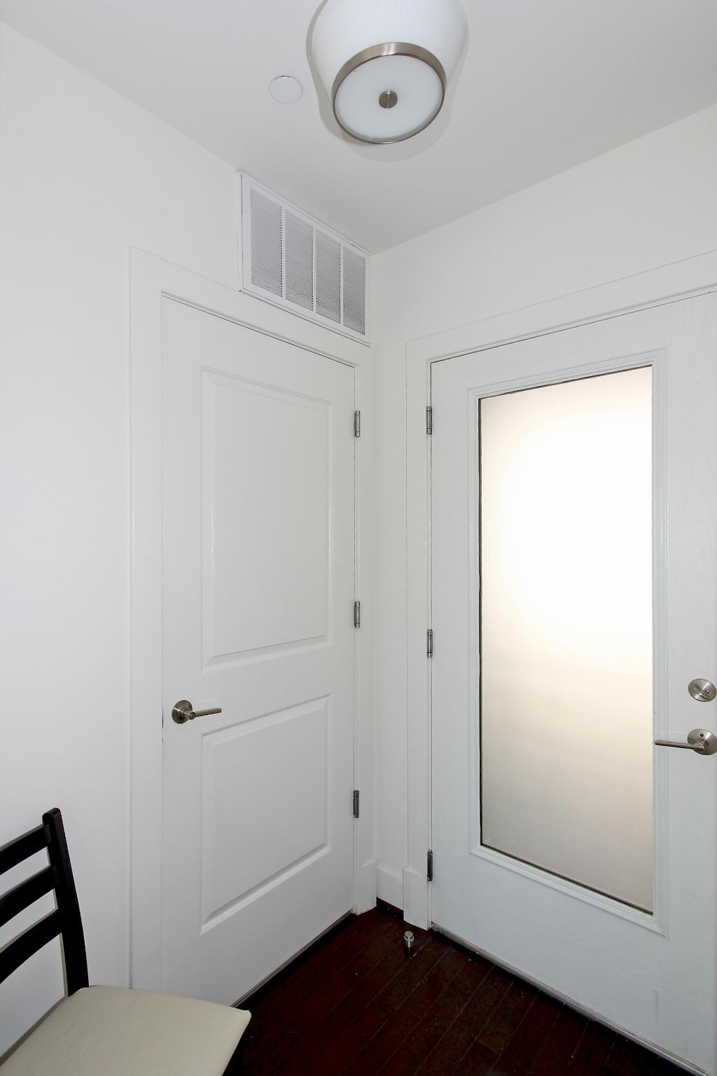 Additional photo for property listing at 5201b Wisconsin Ave Nw #205 5201b Wisconsin Ave Nw #205 Washington, District Of Columbia 20015 United States