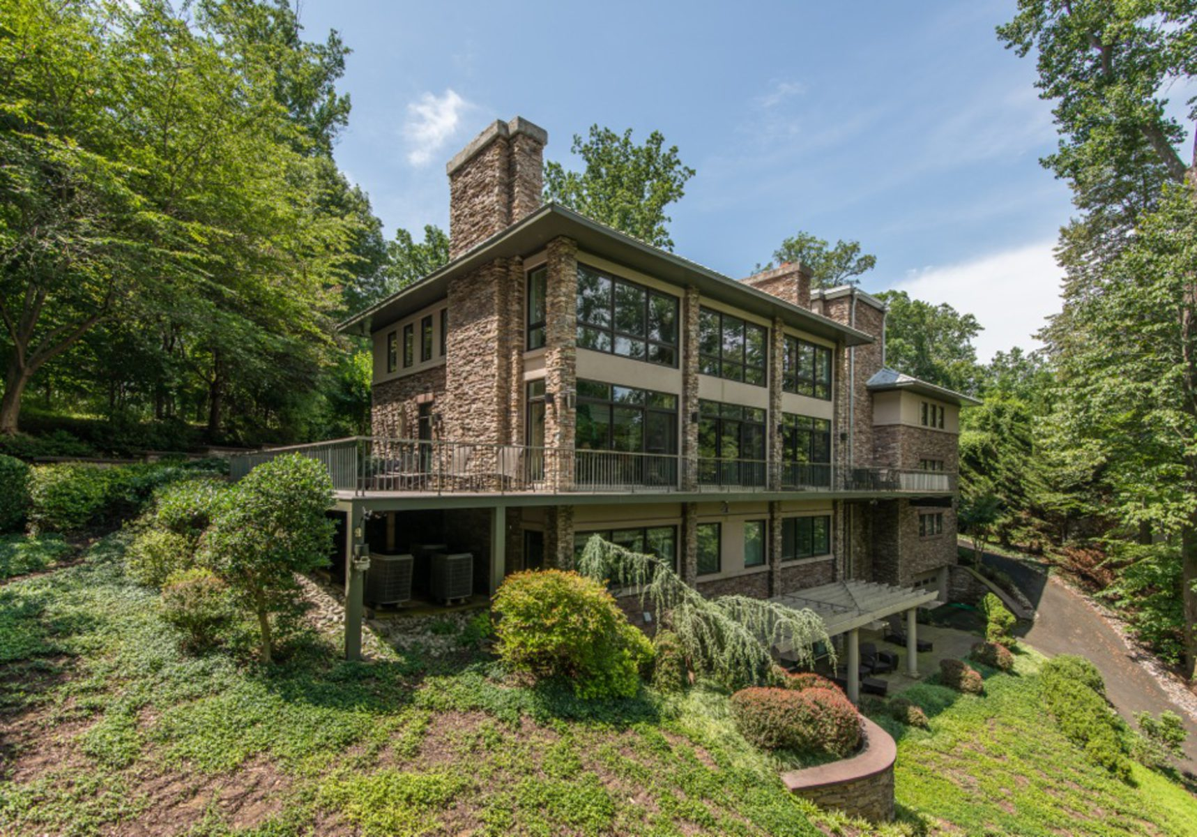 Additional photo for property listing at 7022 GREEN OAK DR 7022 GREEN OAK DR McLean, Virginia 22101 United States