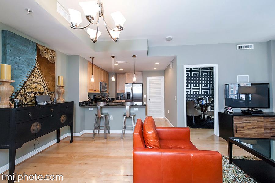 共管式独立产权公寓 为 出租 在 11990 Market St #808 11990 Market St #808 莱斯顿, 弗吉尼亚州 20190 美国