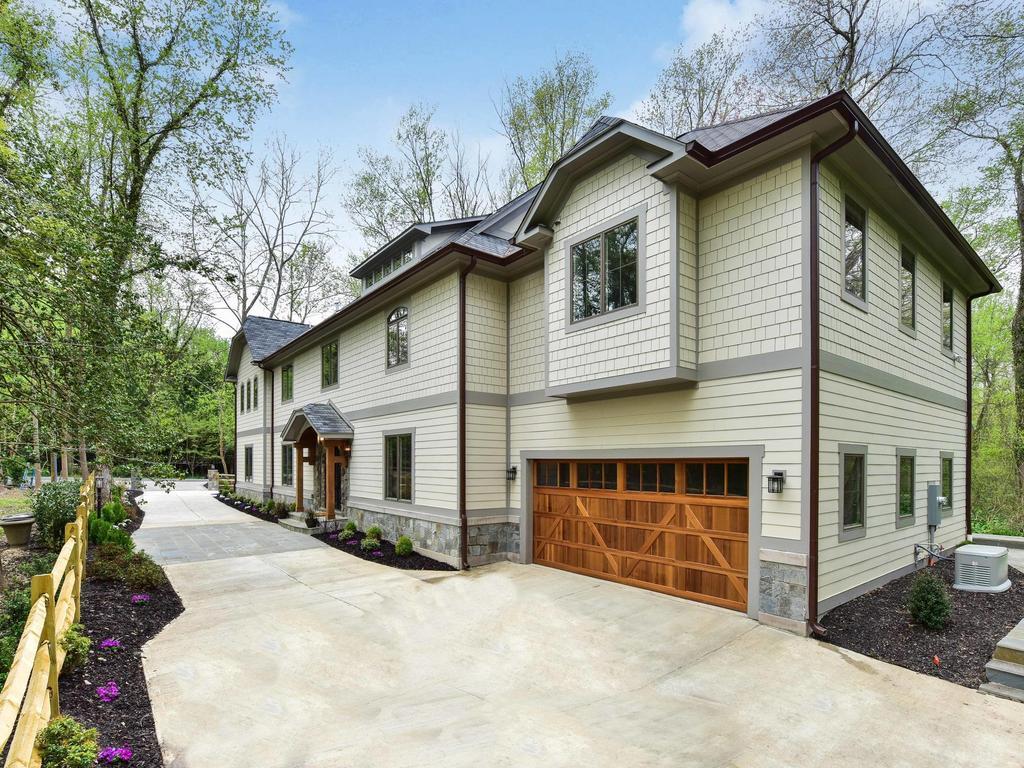 独户住宅 为 销售 在 6828 Sorrel Street, Mclean 麦克林, 弗吉尼亚州, 22101 美国