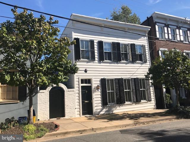 Single Family Home for Sale at 426 Lee St S 426 Lee St S Alexandria, Virginia 22314 United States
