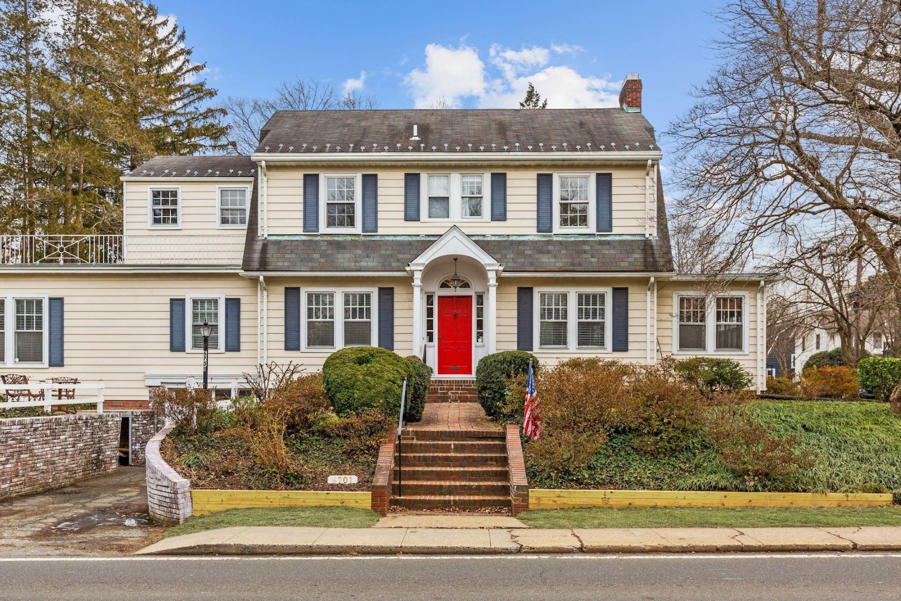 Single Family Homes for Sale at 6701 Brookville Rd Chevy Chase, Maryland 20815 United States