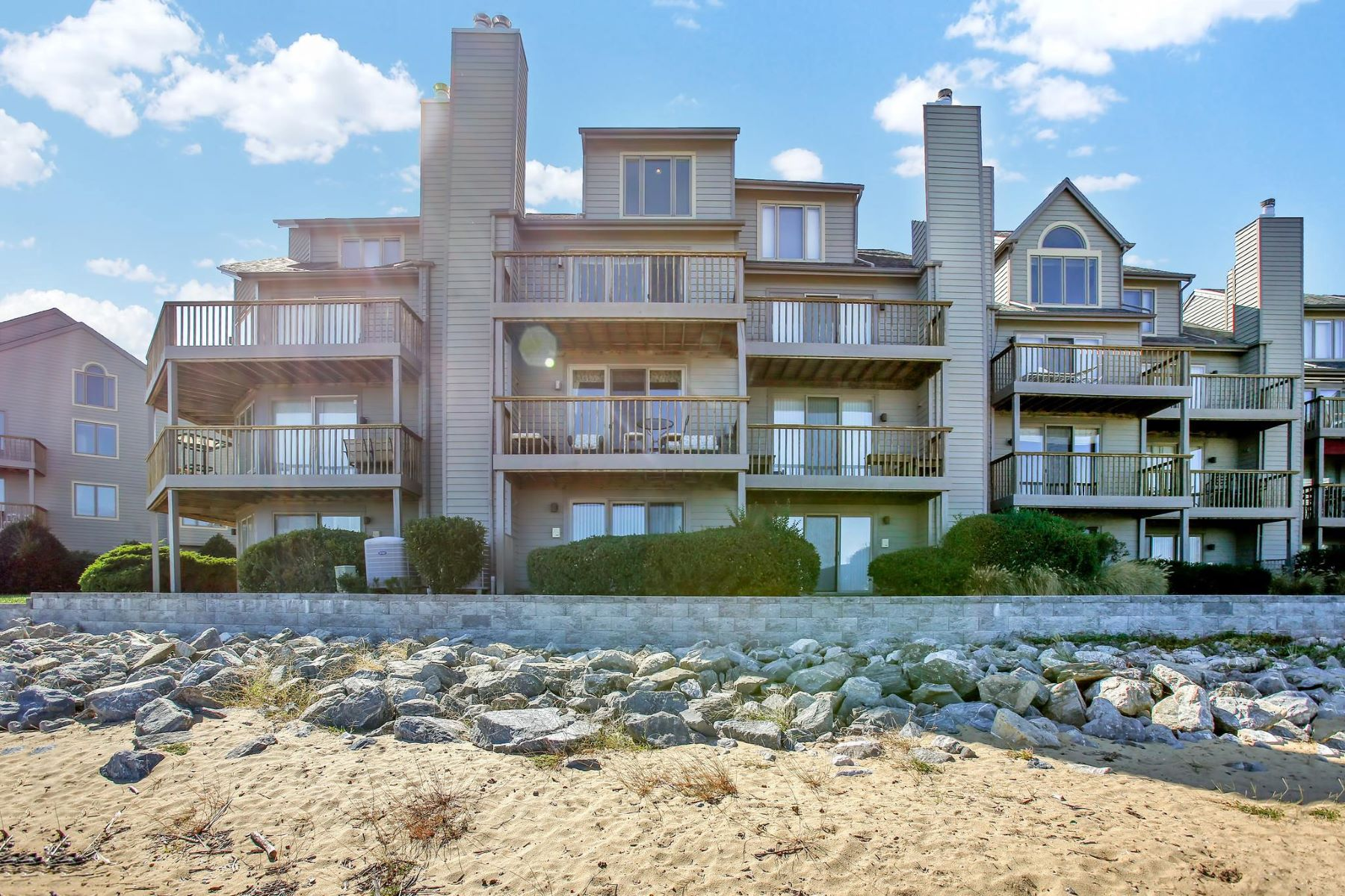 Condominiums for Active at 2187 Chesapeake Harbour Dr Annapolis, Maryland 21403 United States