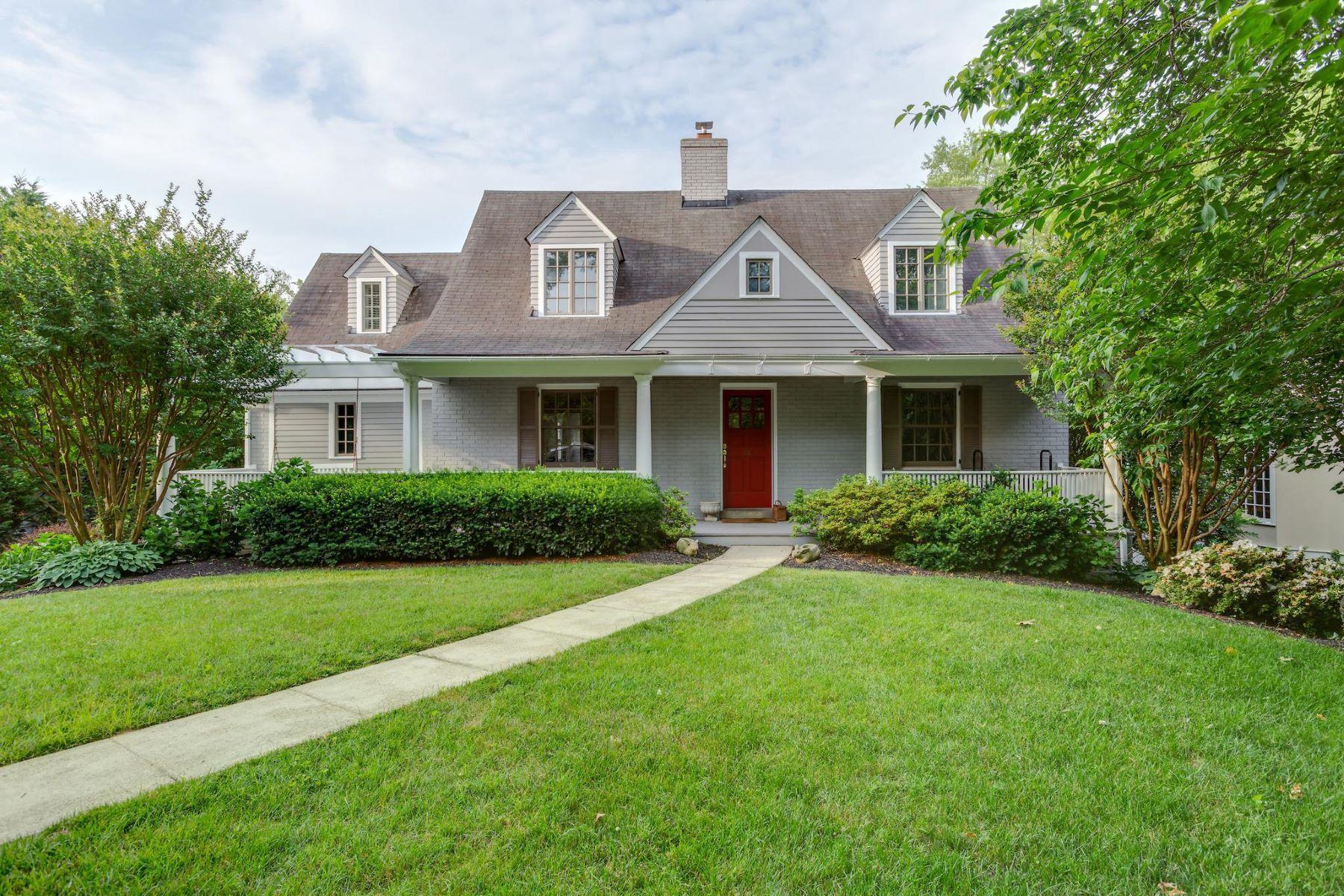 Single Family Homes por un Venta en 28 Grafton St Chevy Chase, Maryland 20815 Estados Unidos