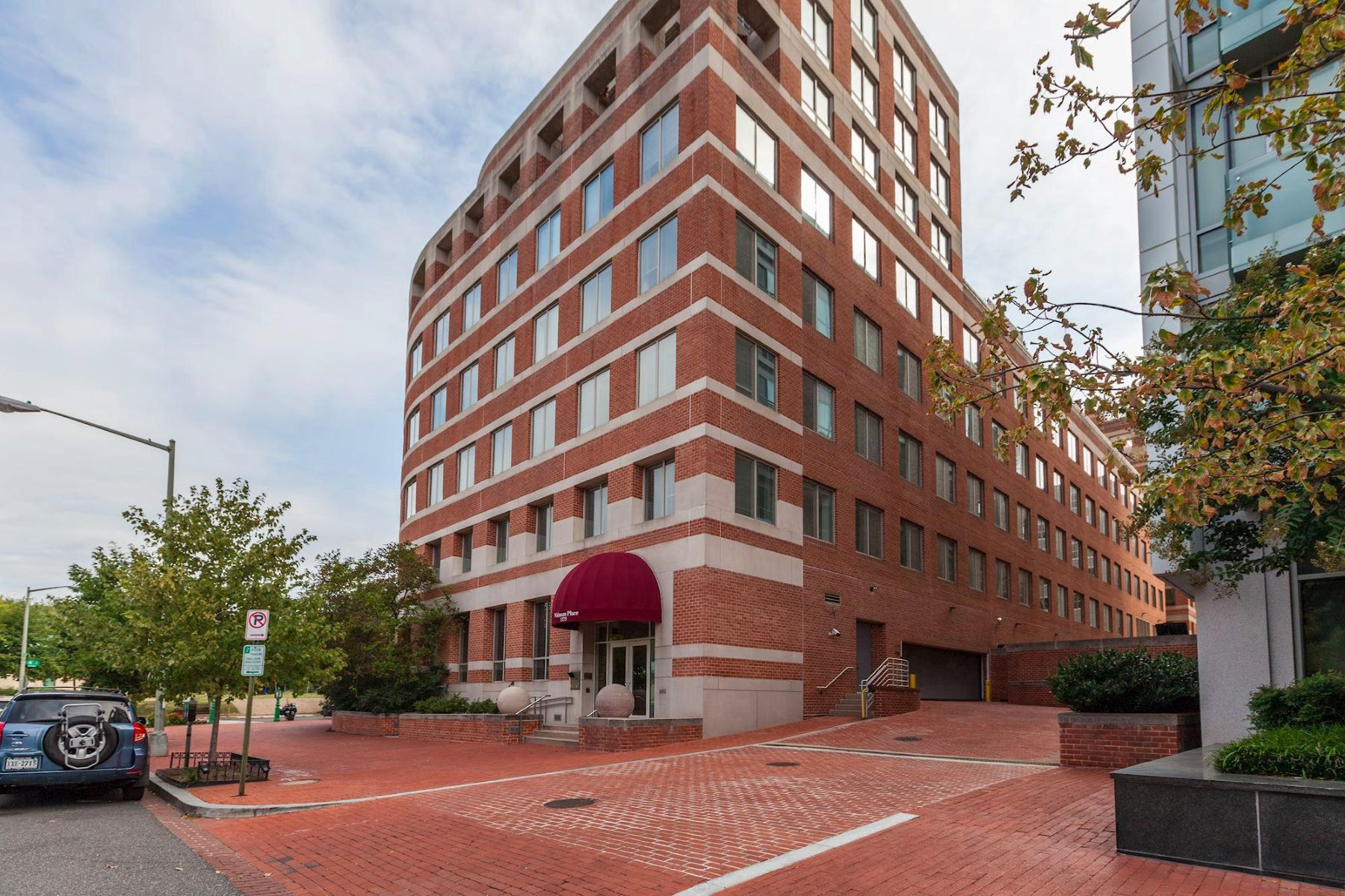 Condominium for Sale at 1275 25th St NW #604 Washington, District Of Columbia 20037 United States