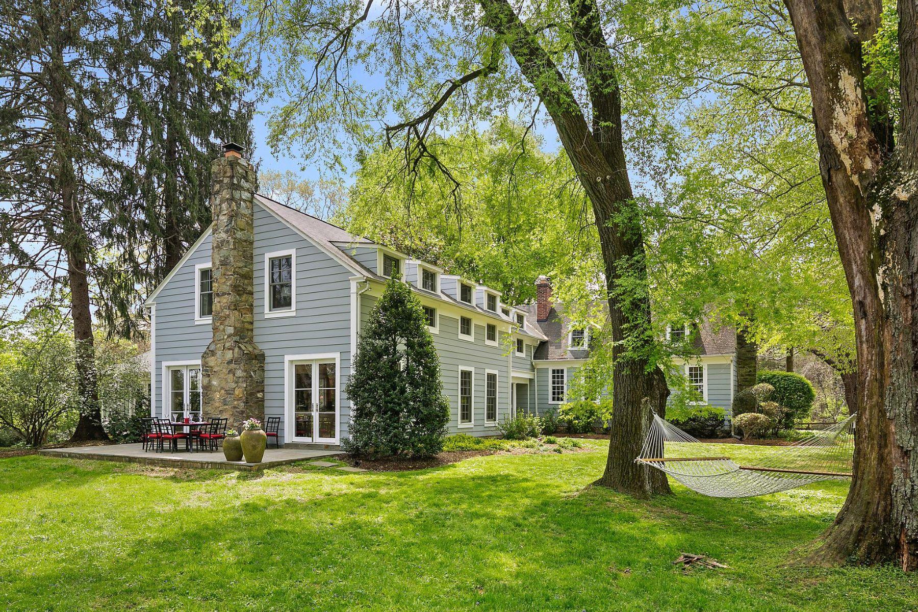 Single Family Homes por un Venta en 1213 Towlston Rd Great Falls, Virginia 22066 Estados Unidos
