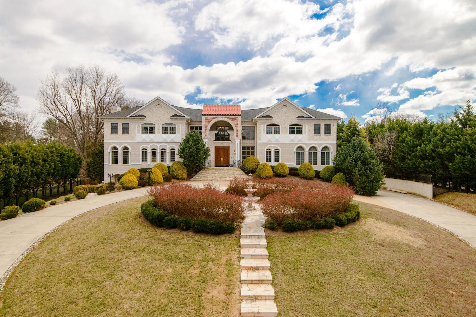 Single Family Home for Rent at 1383 Woodside Dr 1383 Woodside Dr McLean, Virginia 22102 United States