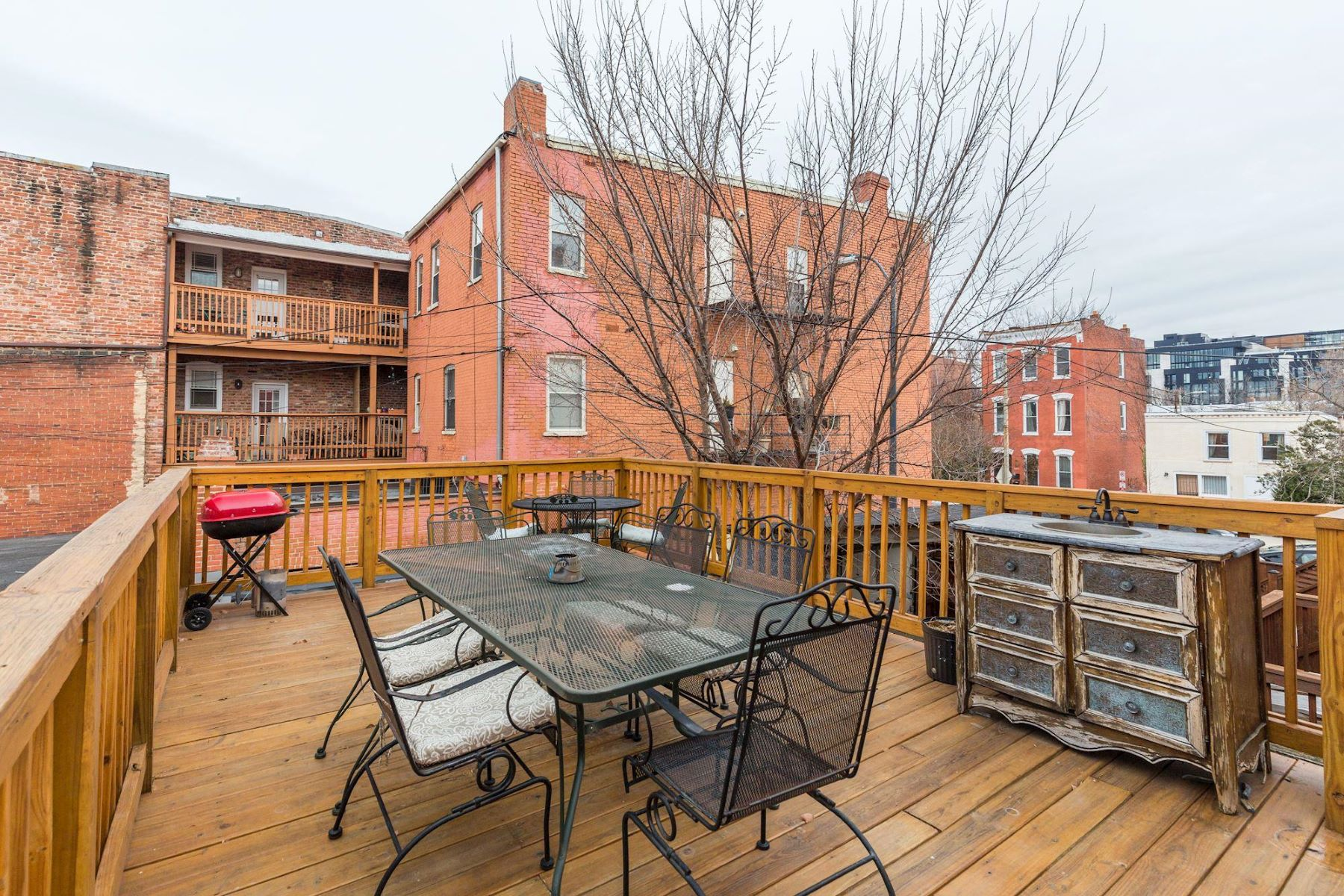 Additional photo for property listing at 1005 O St Nw 1005 O St Nw Washington, District Of Columbia 20001 United States