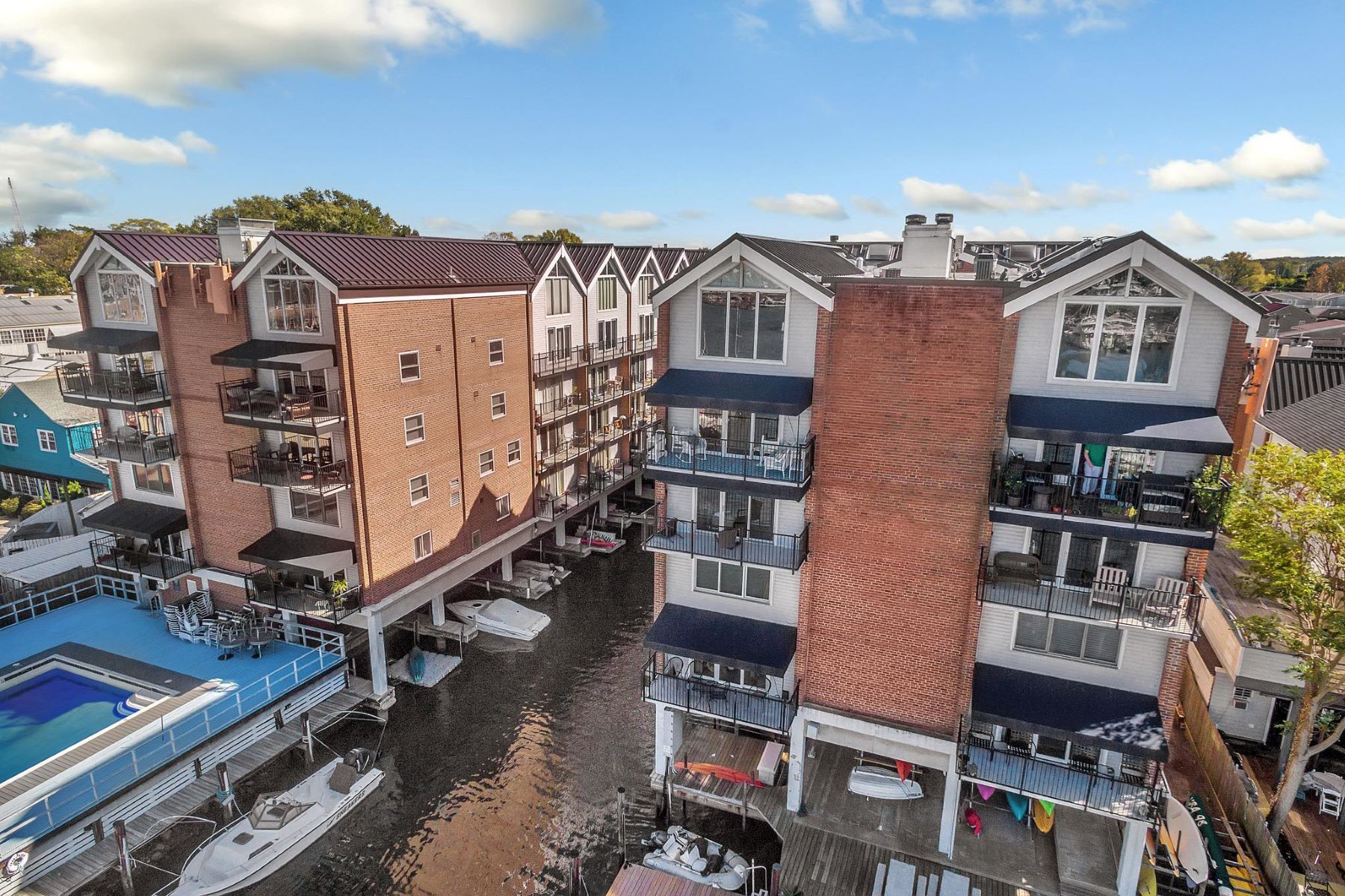 Condominiums for Sale at 312 Severn Ave #w413 Annapolis, Maryland 21403 United States