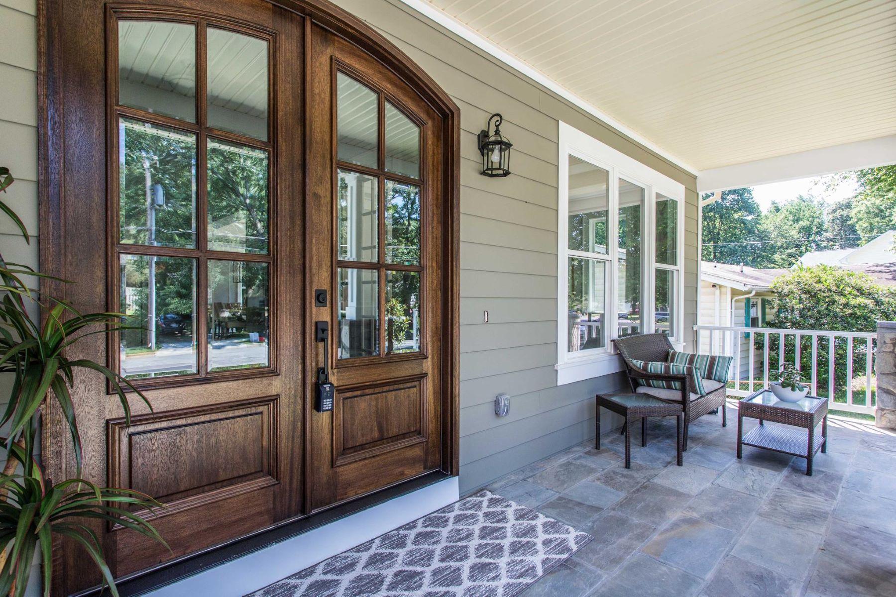 Частный односемейный дом для того Продажа на New Custom Build By Ar Design In Vienna Woods 207 Ross Dr Sw Vienna, Виргиния 22180 Соединенные Штаты