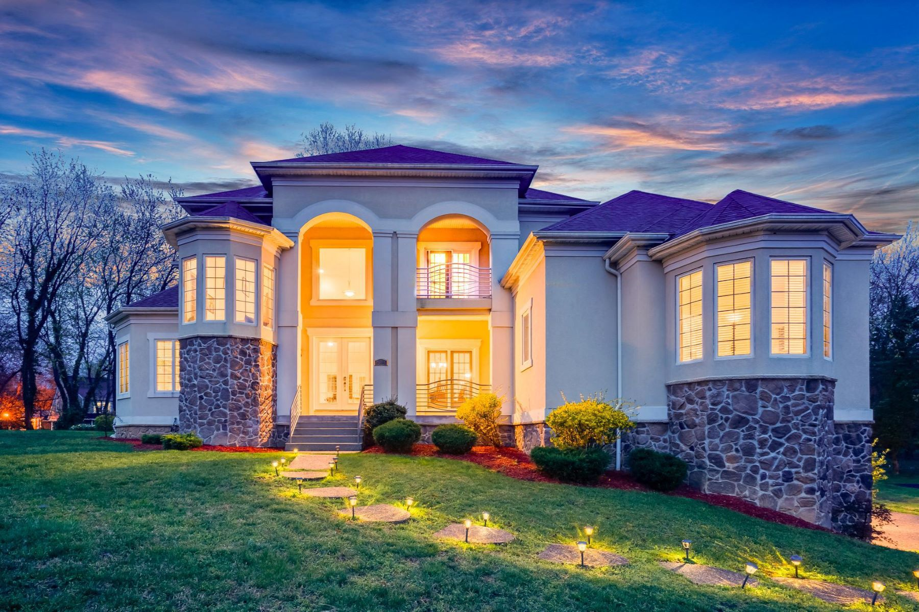 single family homes for Active at 518 W Tantallon Dr Fort Washington, Maryland 20744 United States