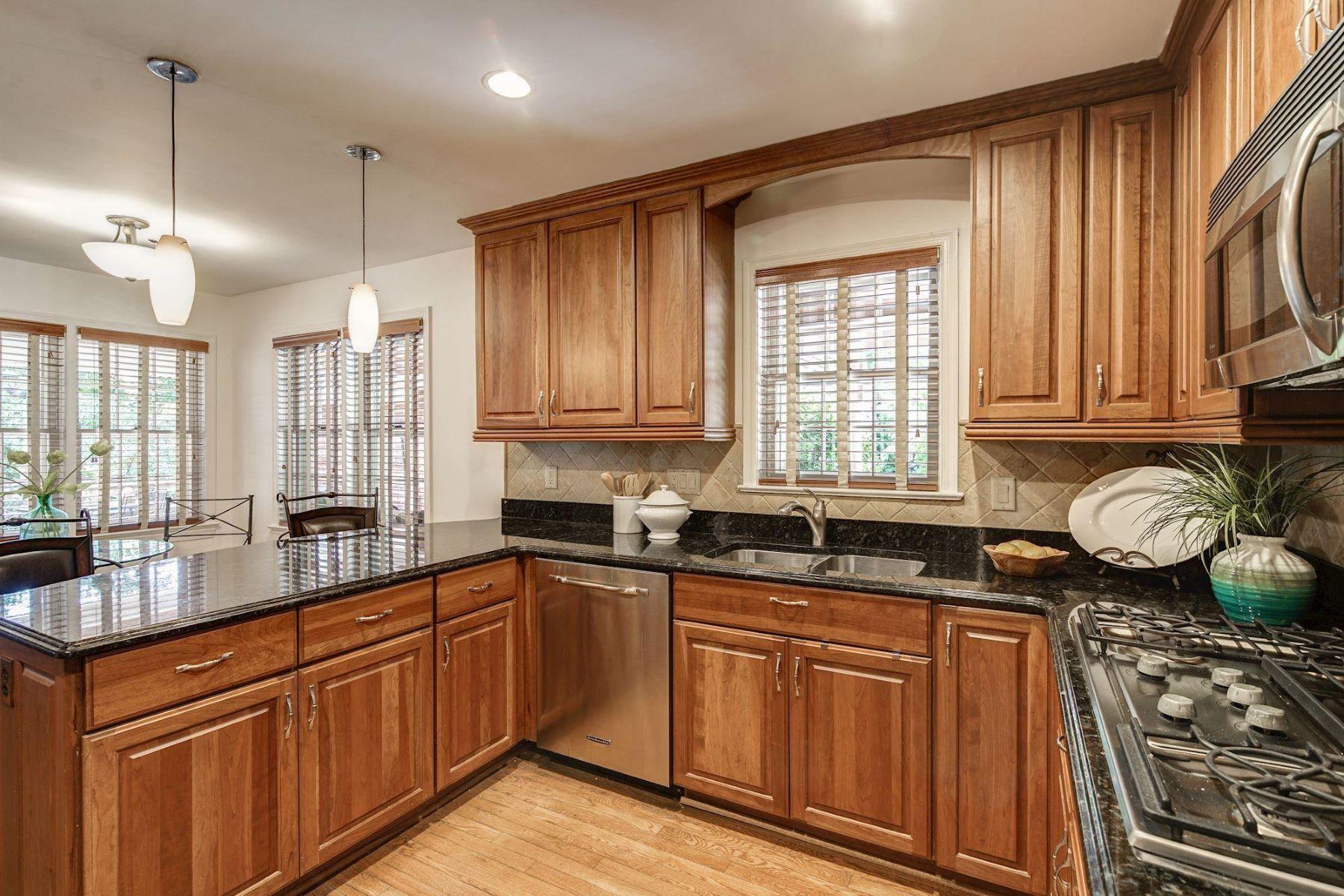 Single Family Homes por un Venta en 10203 Yellow Pine Dr Vienna, Virginia 22182 Estados Unidos